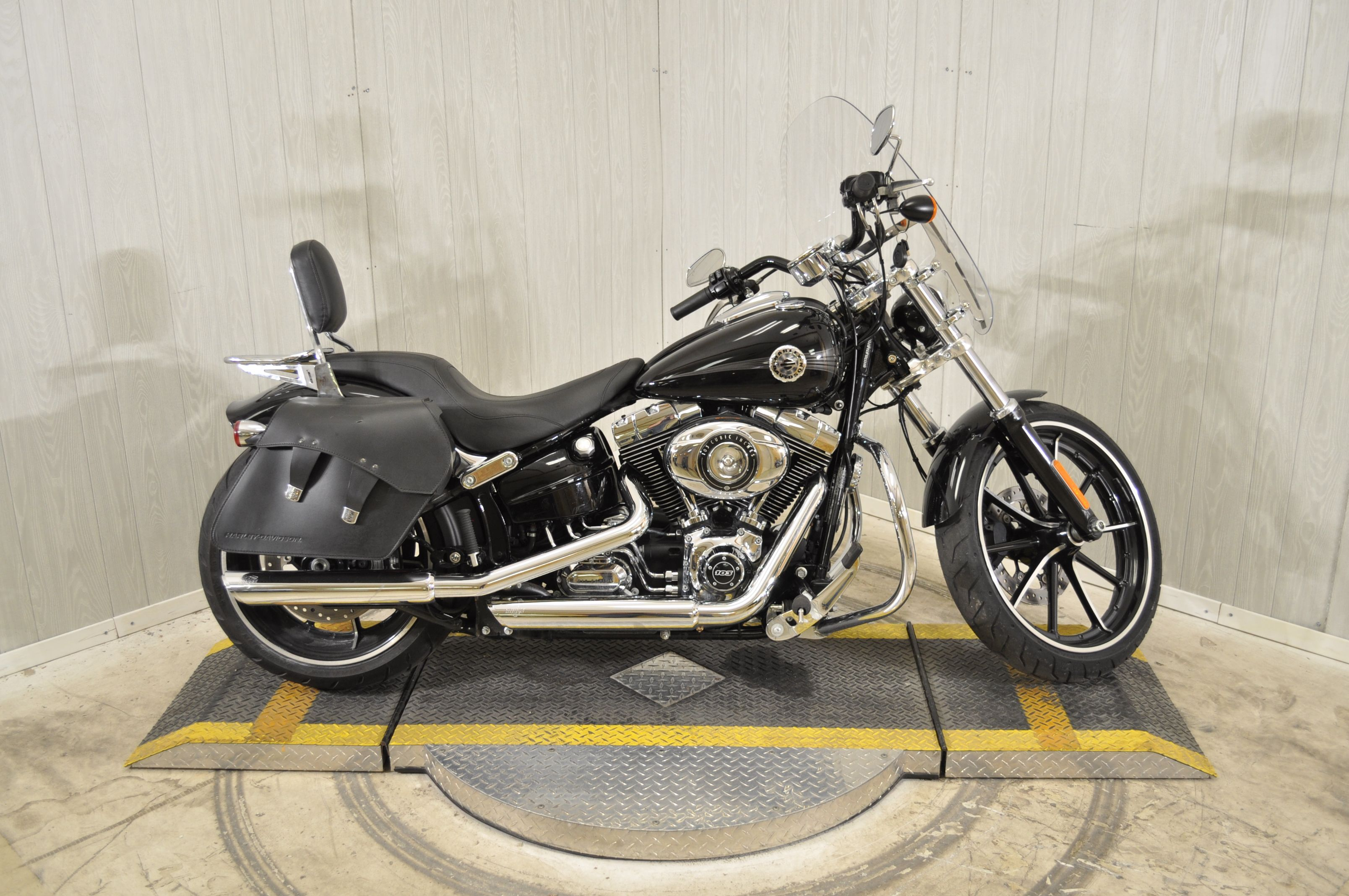 Pre-Owned 2015 Harley-Davidson Breakout FXSB