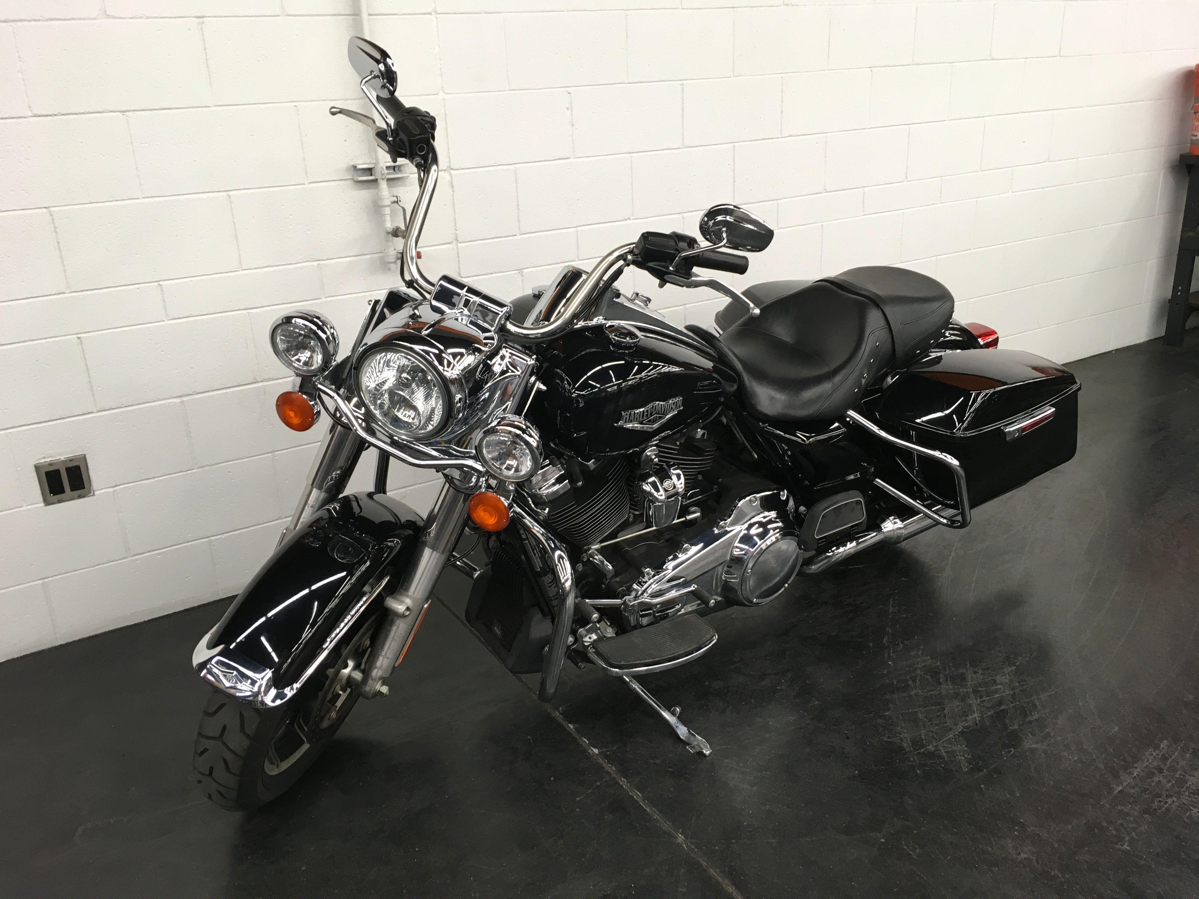 Pre-Owned 2018 Harley-Davidson Road King