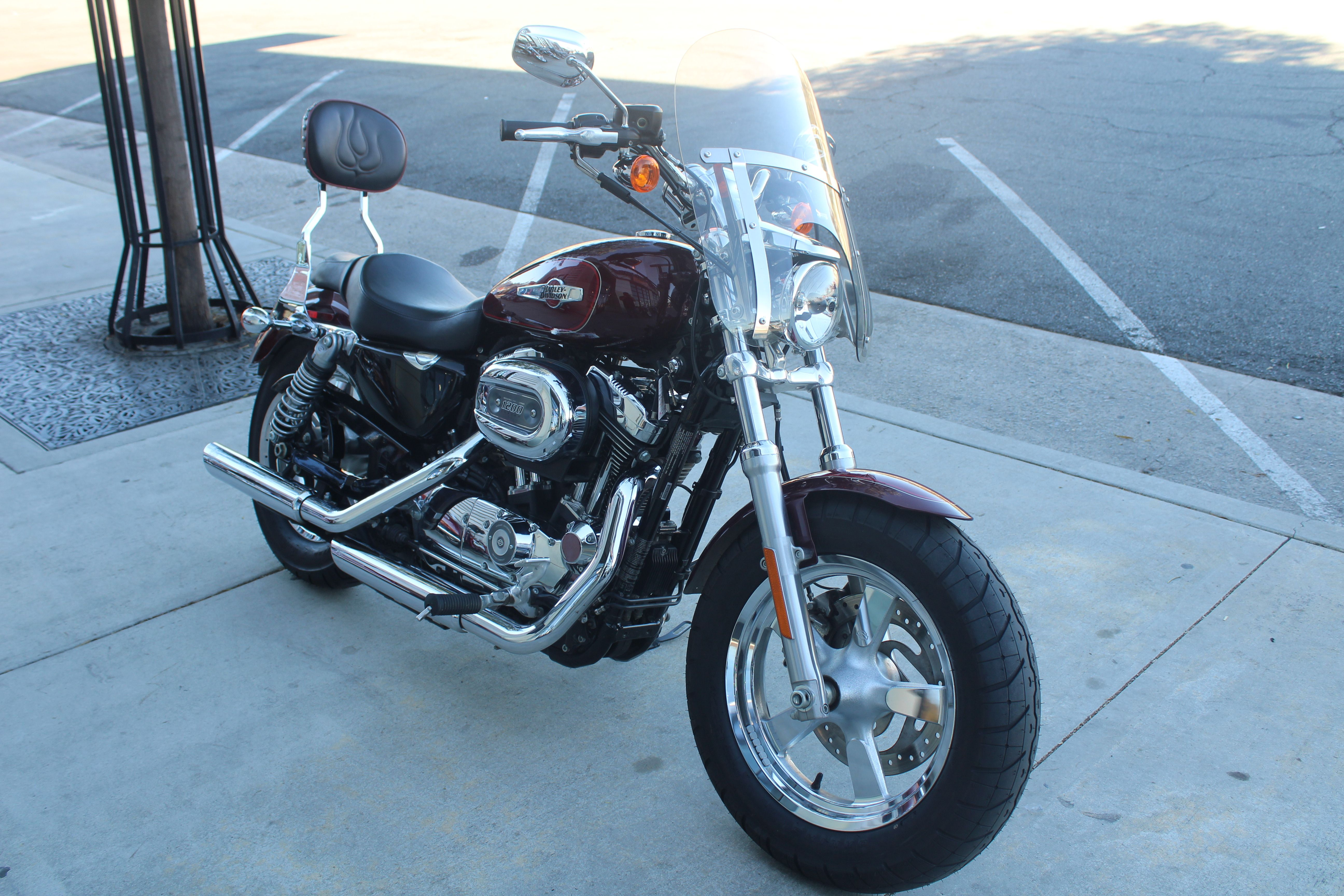 Pre-Owned 2016 Harley-Davidson 1200 Custom