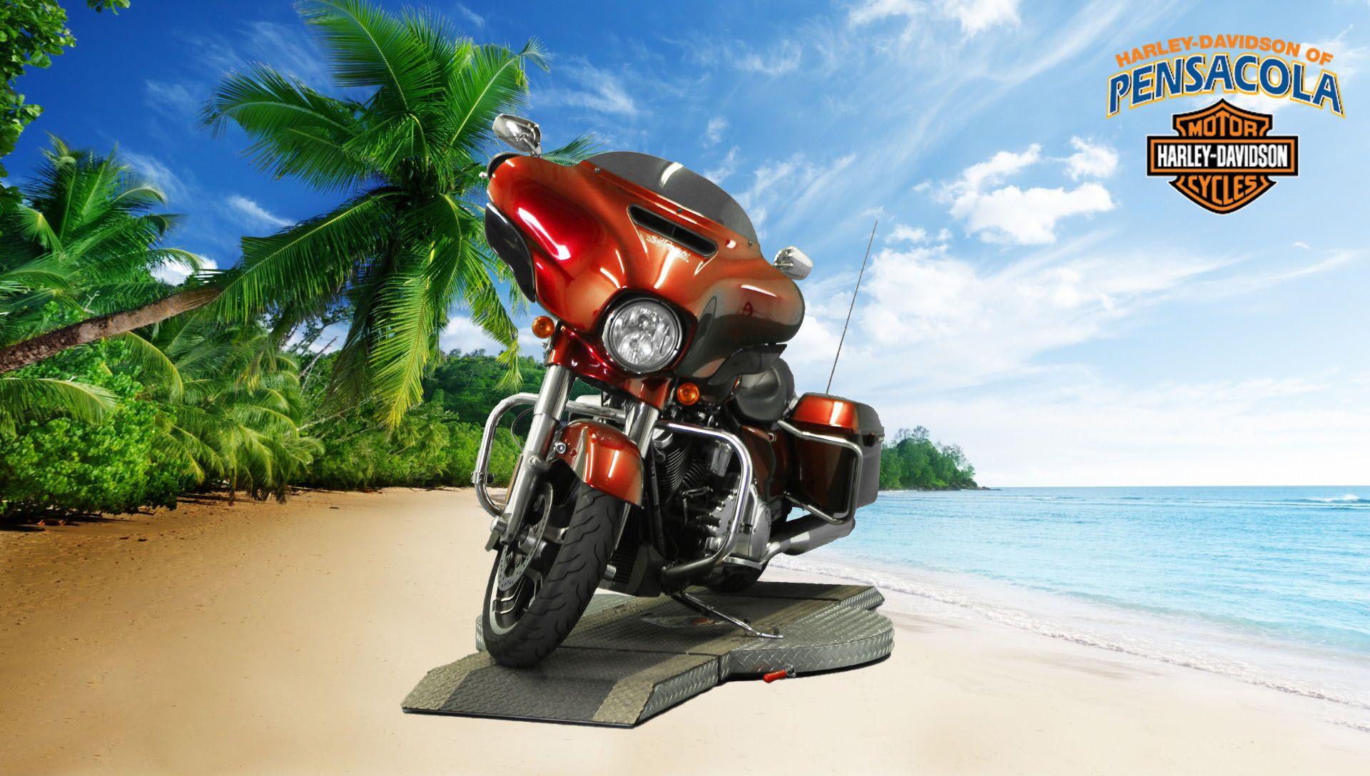 Pre-Owned 2017 Harley-Davidson Street Glide Special FLHXS