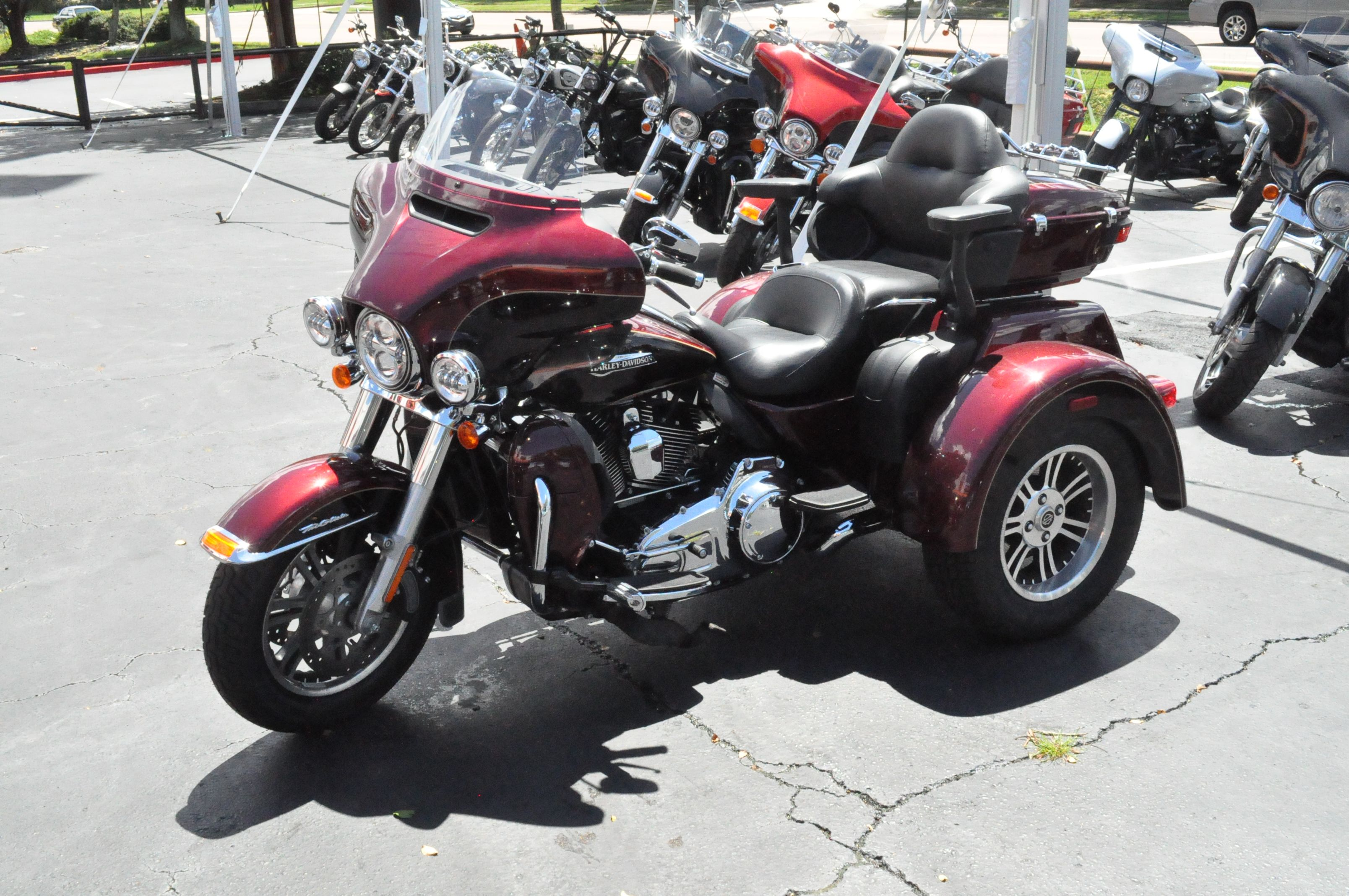 Pre-Owned 2015 Harley-Davidson Tri Glide Ultra Classic FLHTCUTG