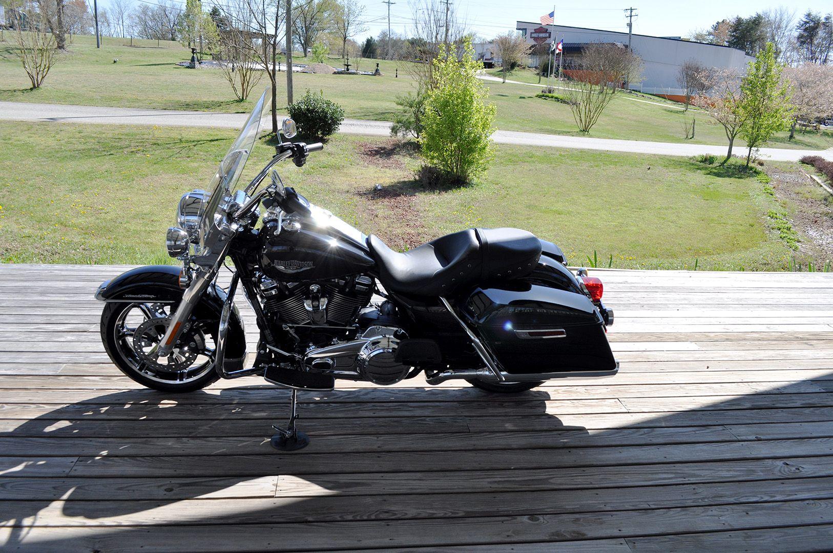 New 2021 Harley-Davidson Road King