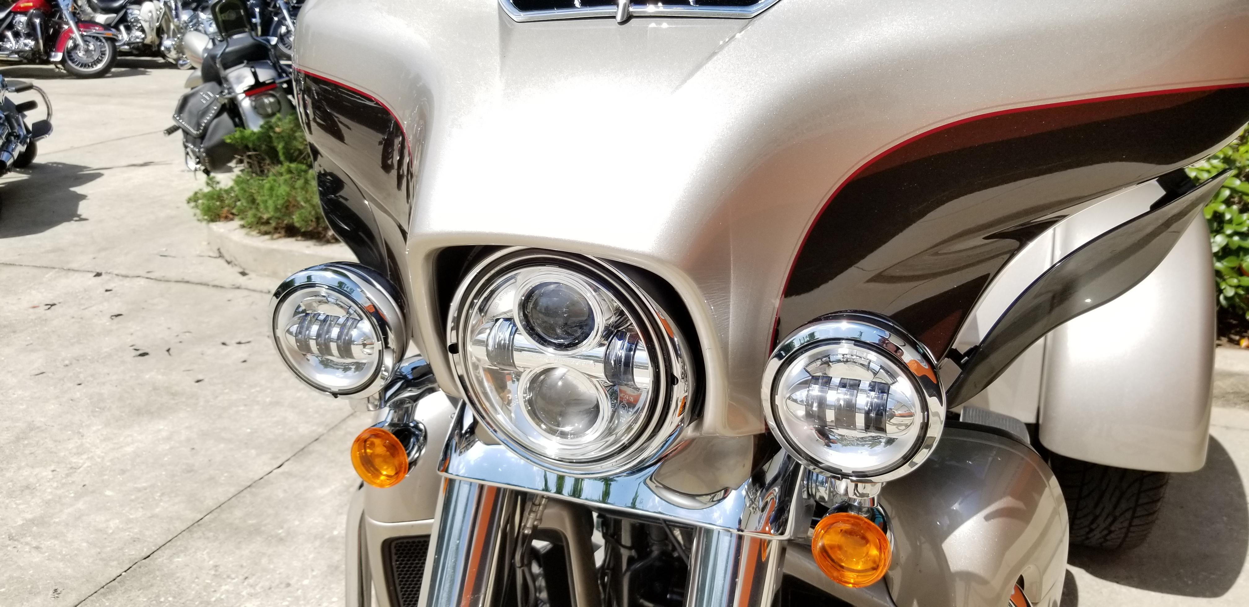 Pre-Owned 2018 Harley-Davidson Tri Glide Ultra Classic FLHTCUTG
