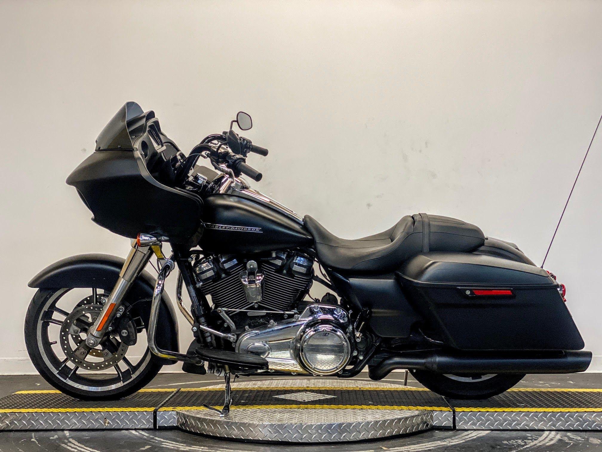 Pre-Owned 2018 Harley-Davidson Road Glide FLTRX