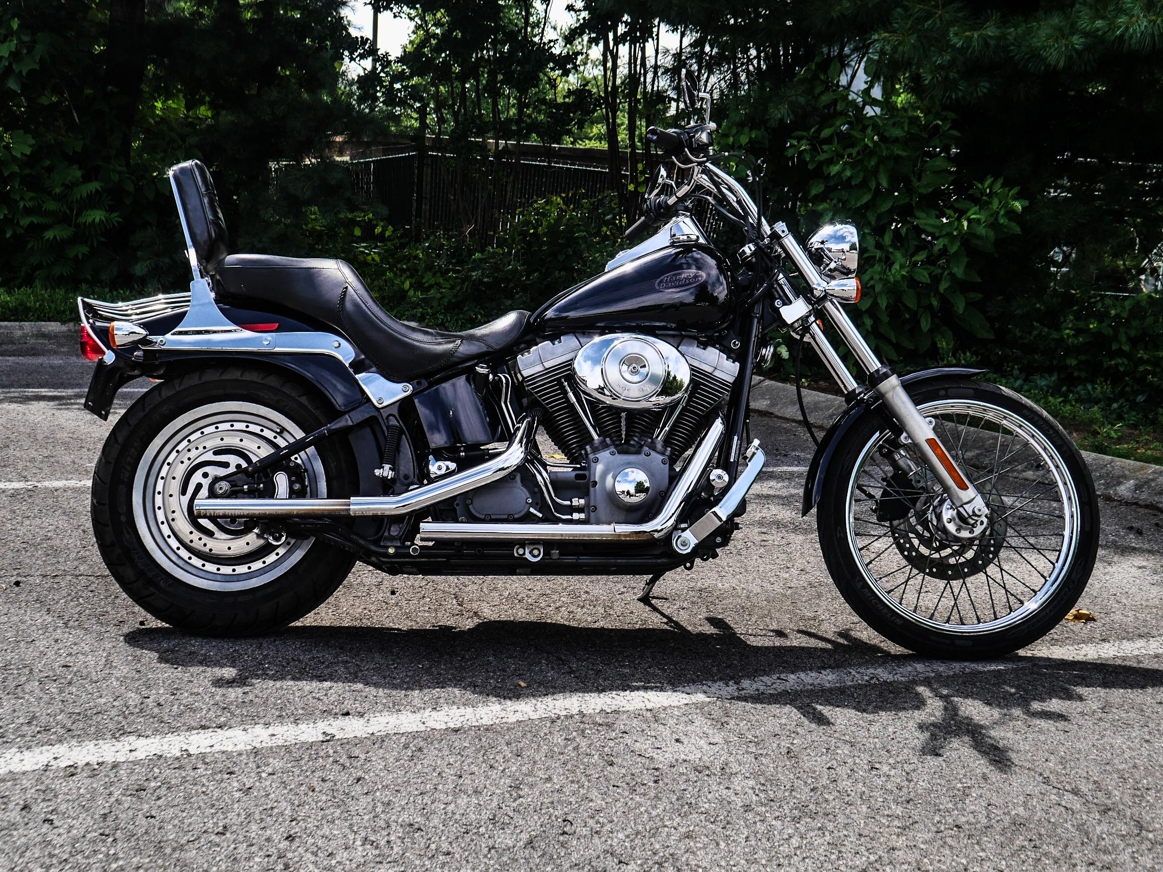 Pre-Owned 2004 Harley-Davidson Standard