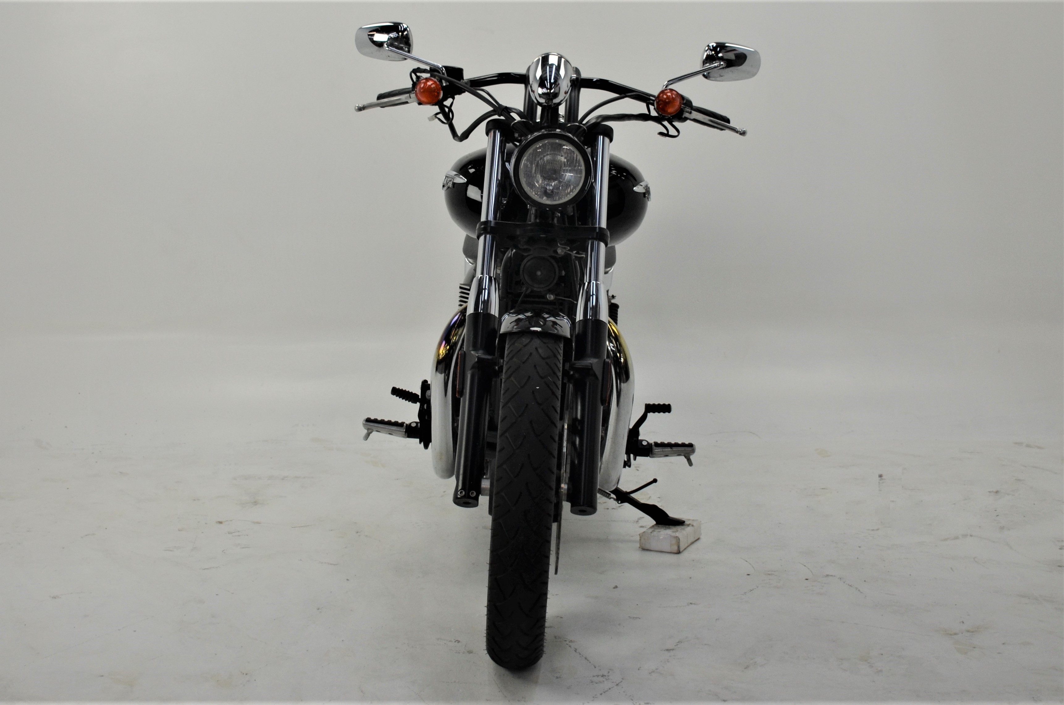 Pre-Owned 2015 Triumph Base