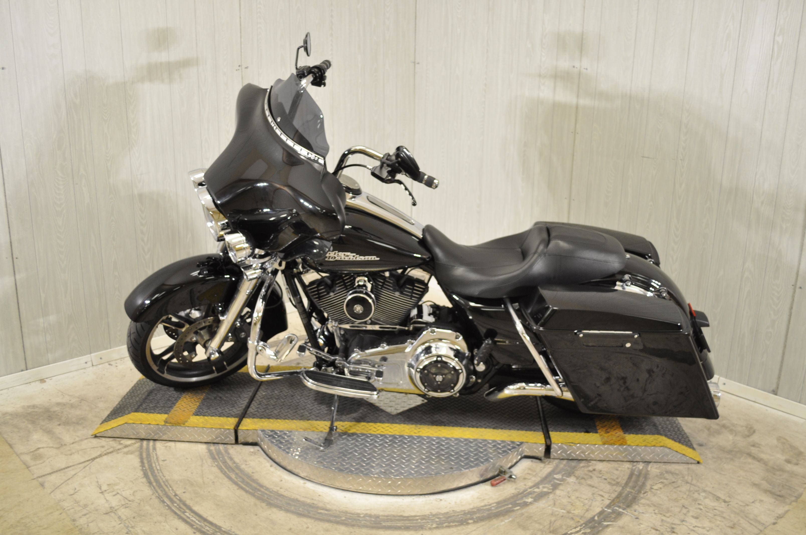 Pre-Owned 2010 Harley-Davidson Street Glide FLHX