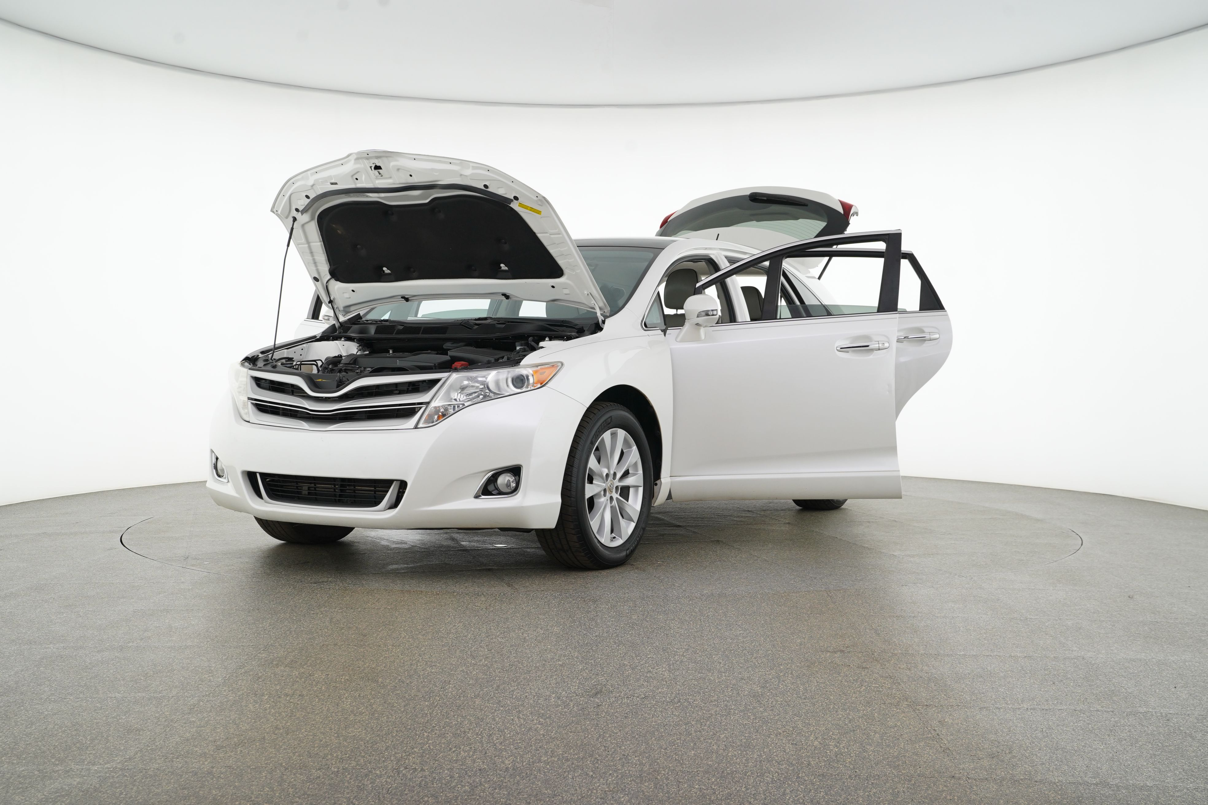 Pre-Owned 2013 Toyota Venza XLE