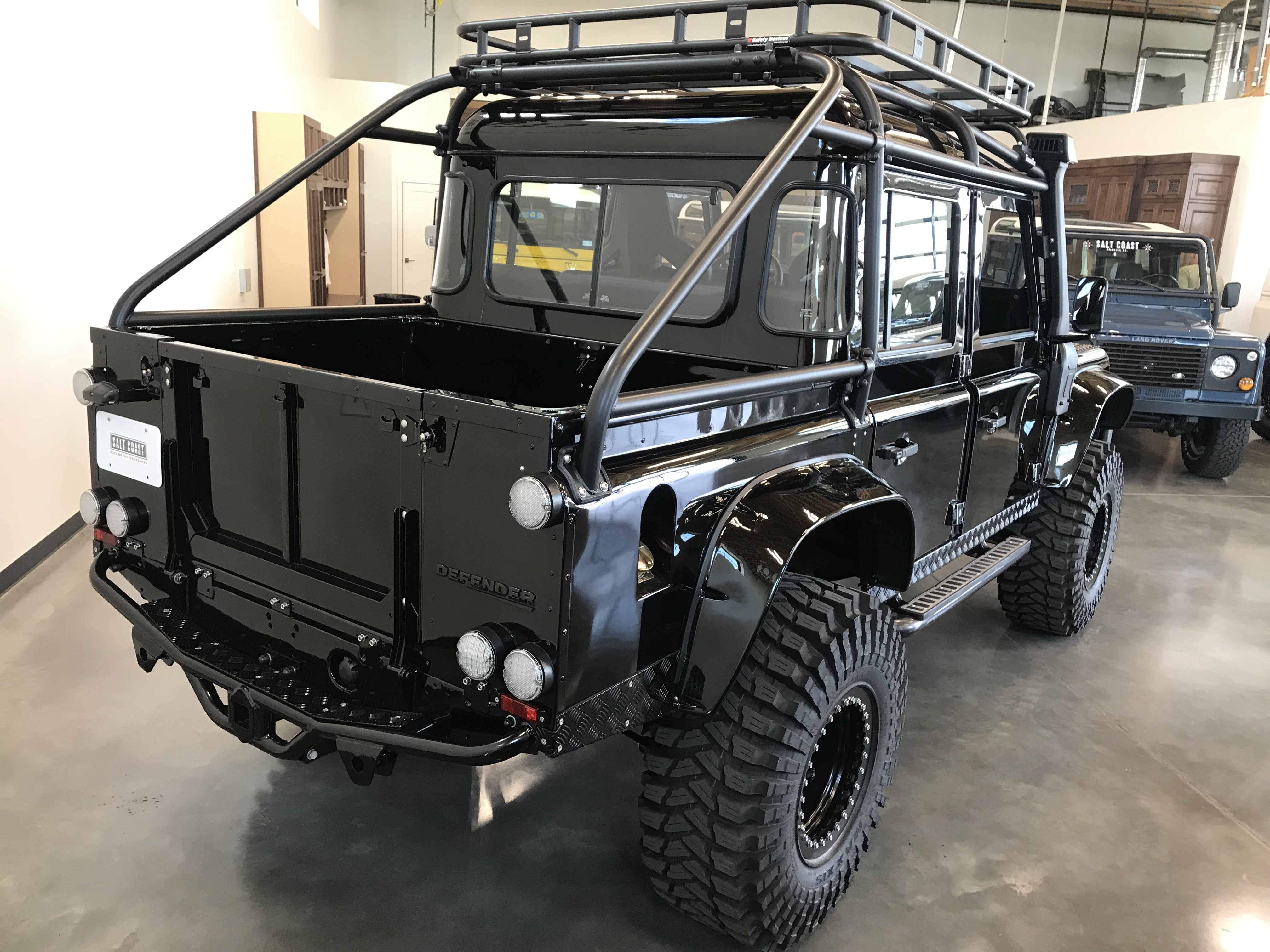 Pre-Owned 1986 Land Rover Defender 110
