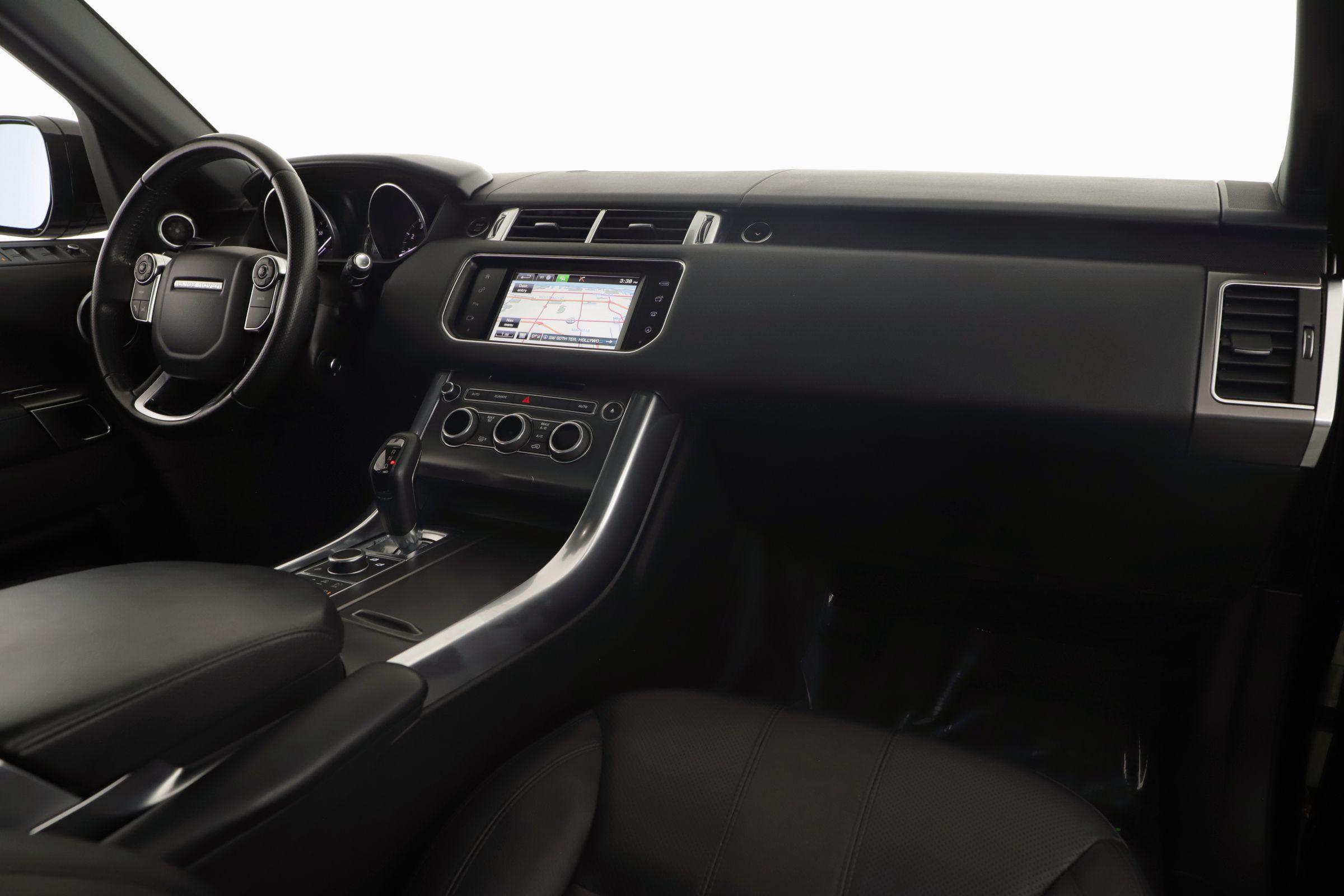 Pre-Owned 2016 Land Rover Range Rover Sport V6 SE