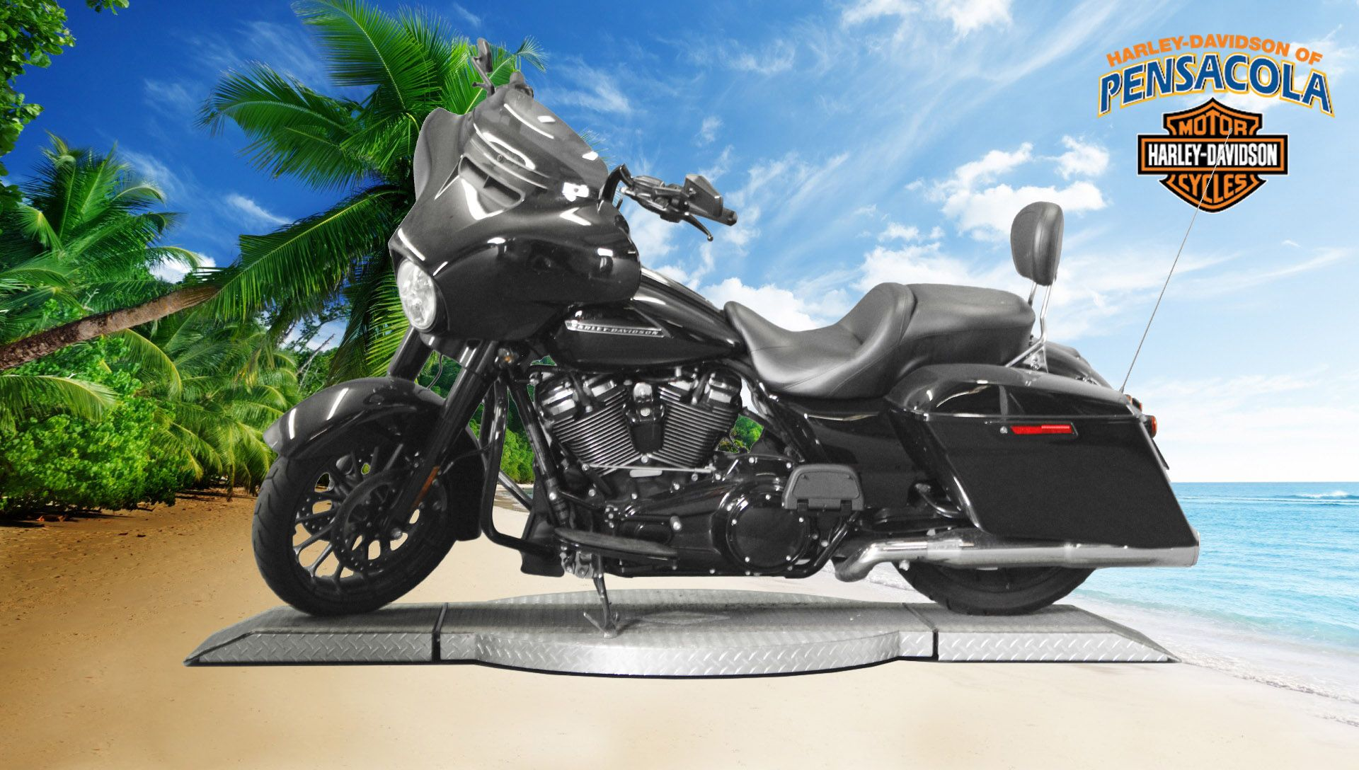 Pre-Owned 2018 Harley-Davidson Street Glide Special FLHXS