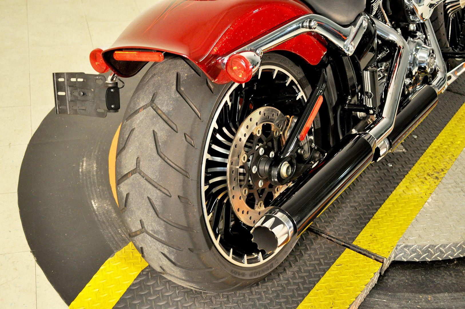 Pre-Owned 2017 Harley-Davidson Breakout