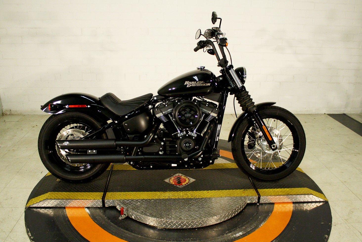 Pre Owned 2019 Harley Davidson Street Bob In Winston Salem Pn072756 Smokin Harley Davidson