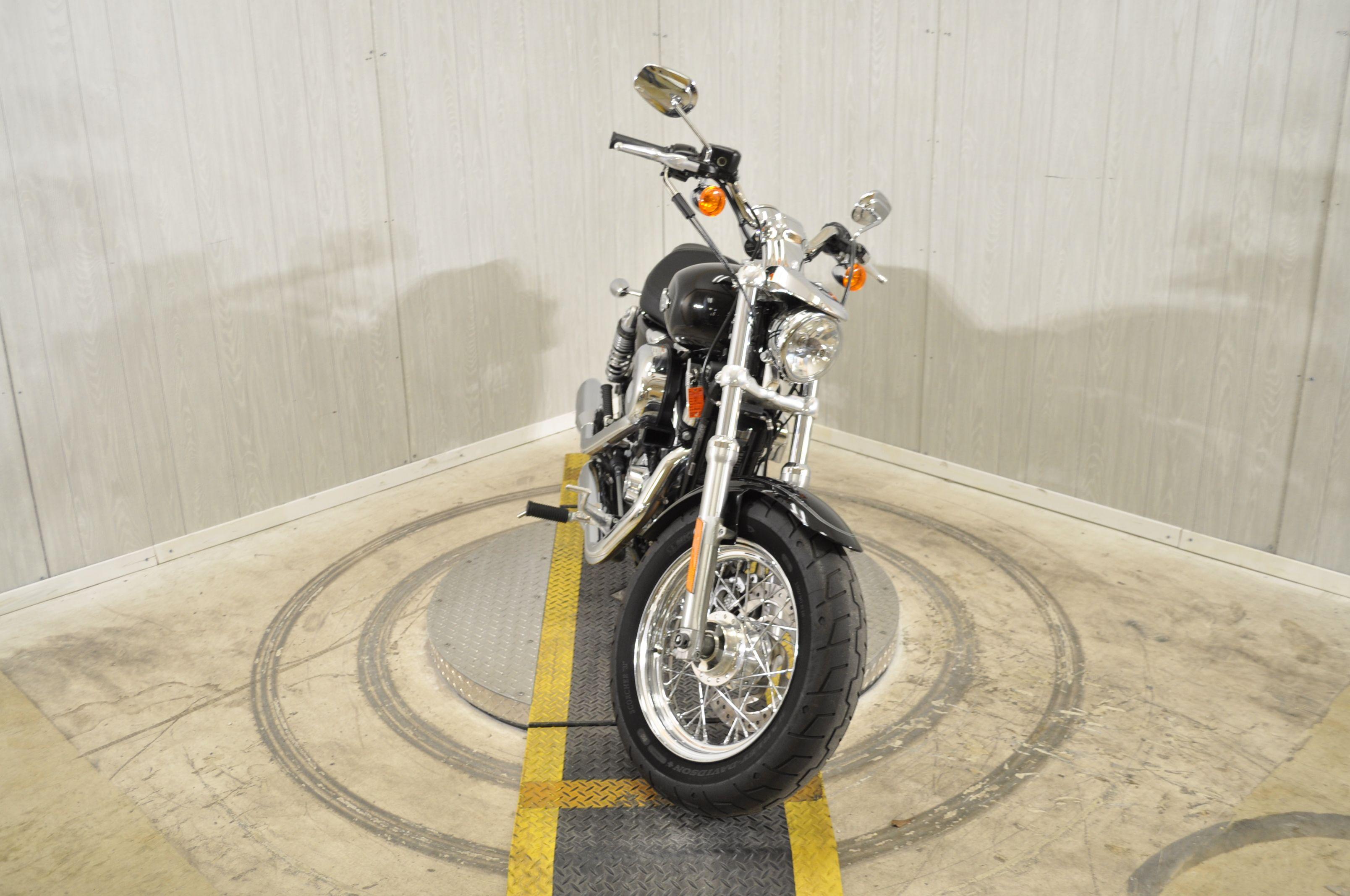 Pre-Owned 2017 Harley-Davidson 1200 Custom XL1200C
