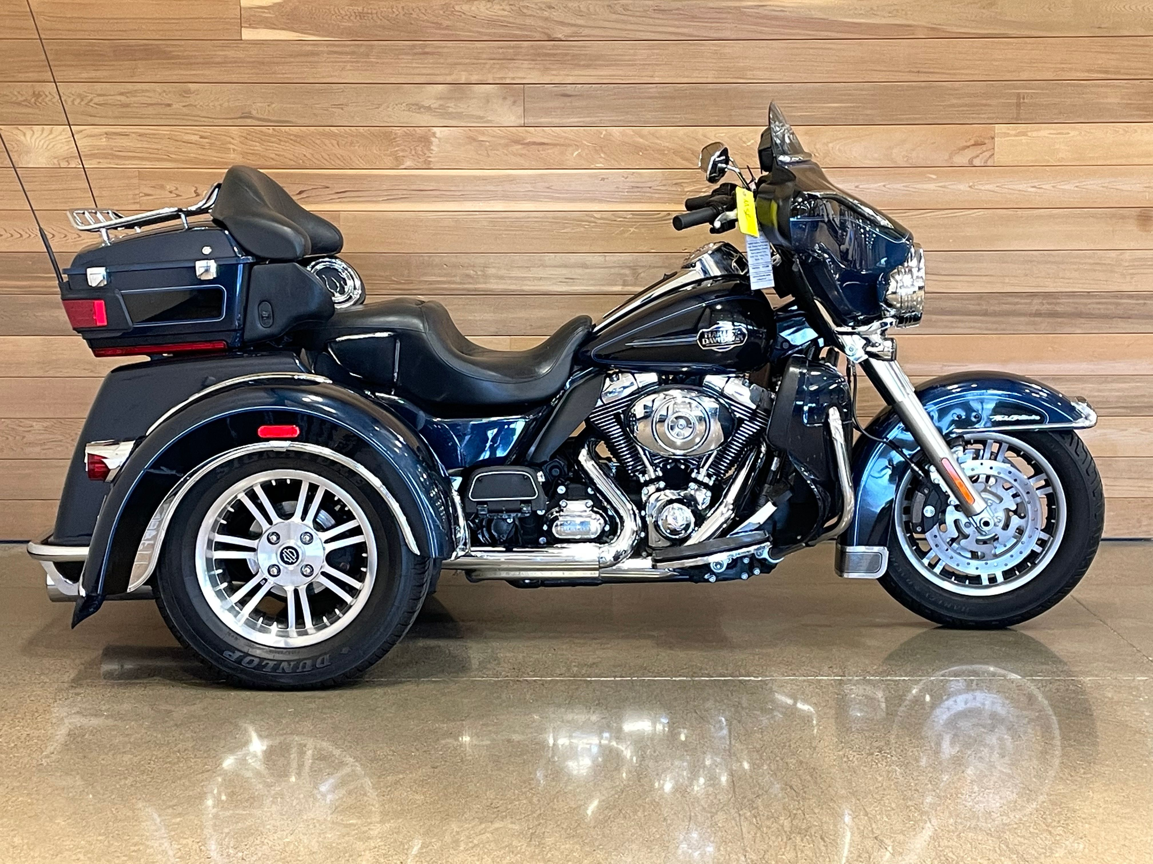 Pre-Owned 2013 Harley-Davidson Tri Glide Ultra Classic FLHTCUTG