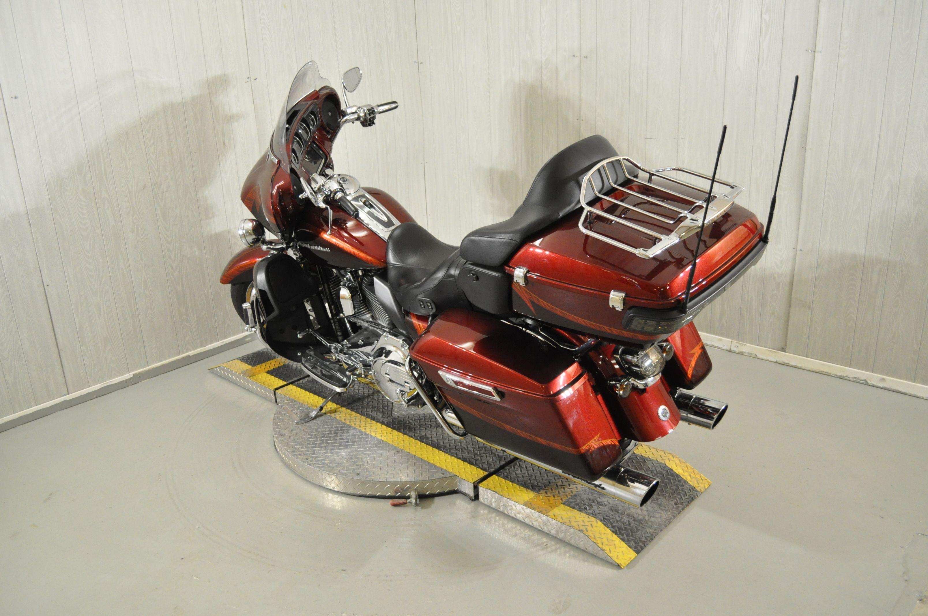Pre-Owned 2014 Harley-Davidson CVO Limited FLHTKSE