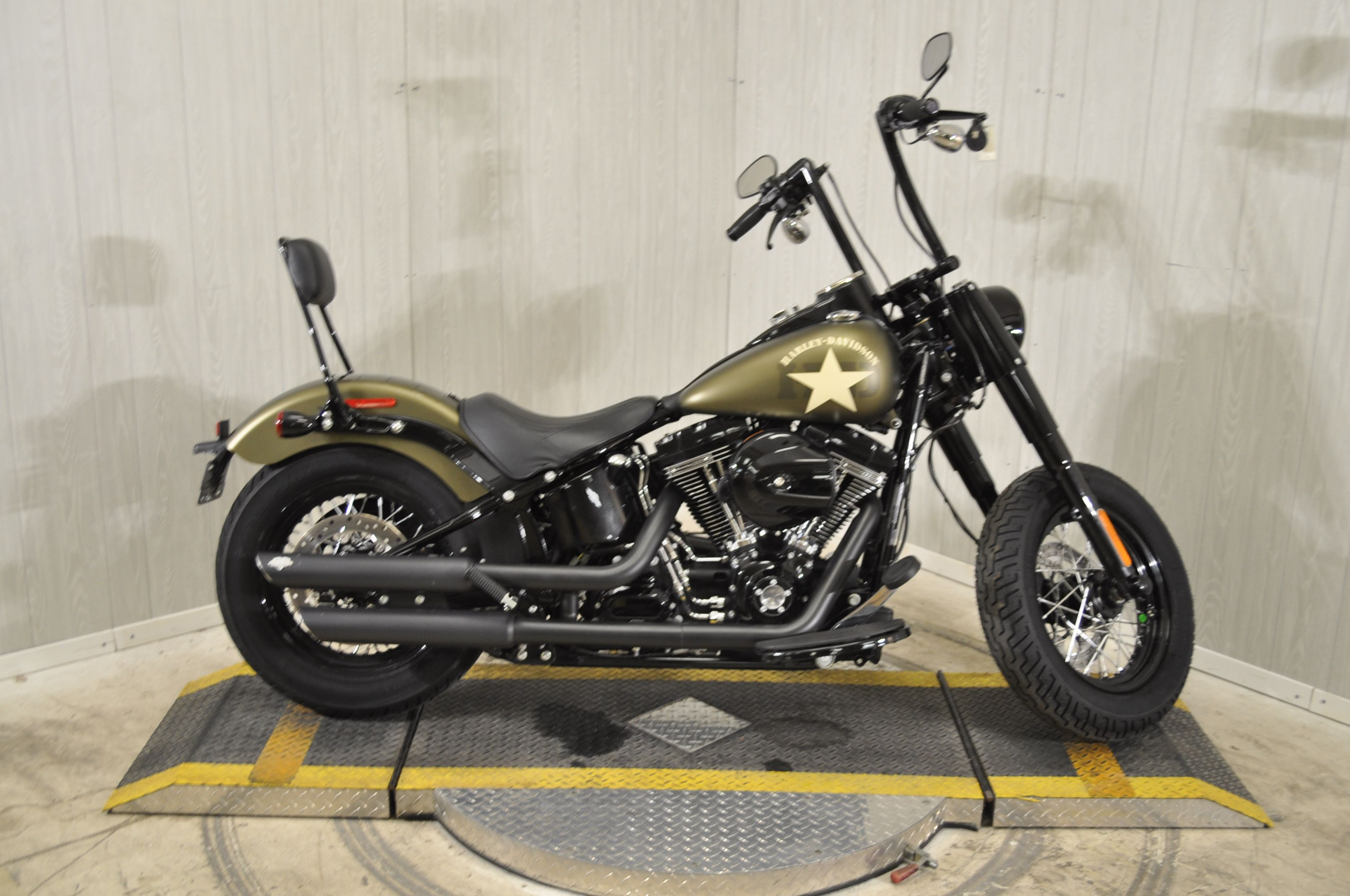 Pre-Owned 2017 Harley-Davidson FLSS