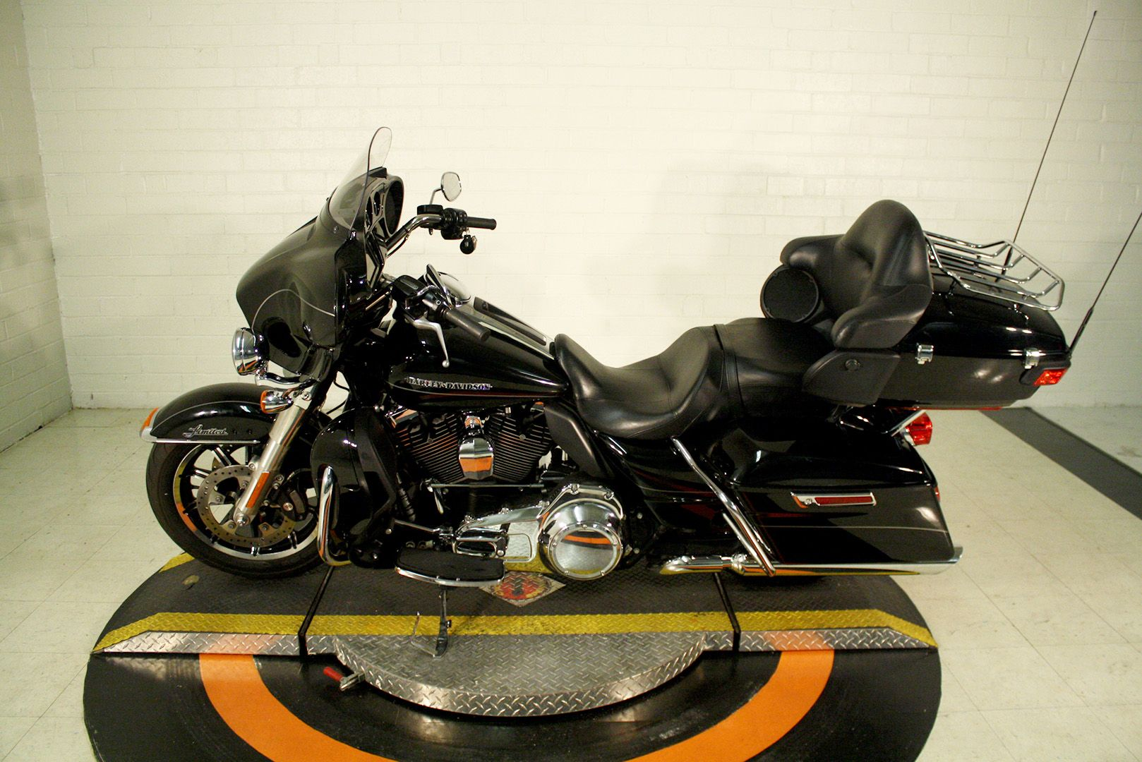 Pre-Owned 2015 Harley-Davidson Ultra Limited Low