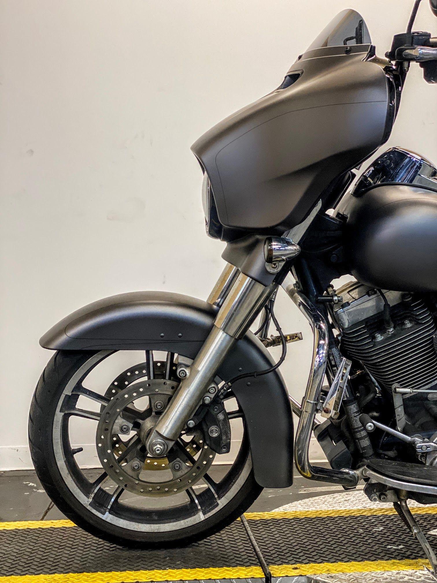 Pre-Owned 2016 Harley-Davidson Street Glide Special FLHXS