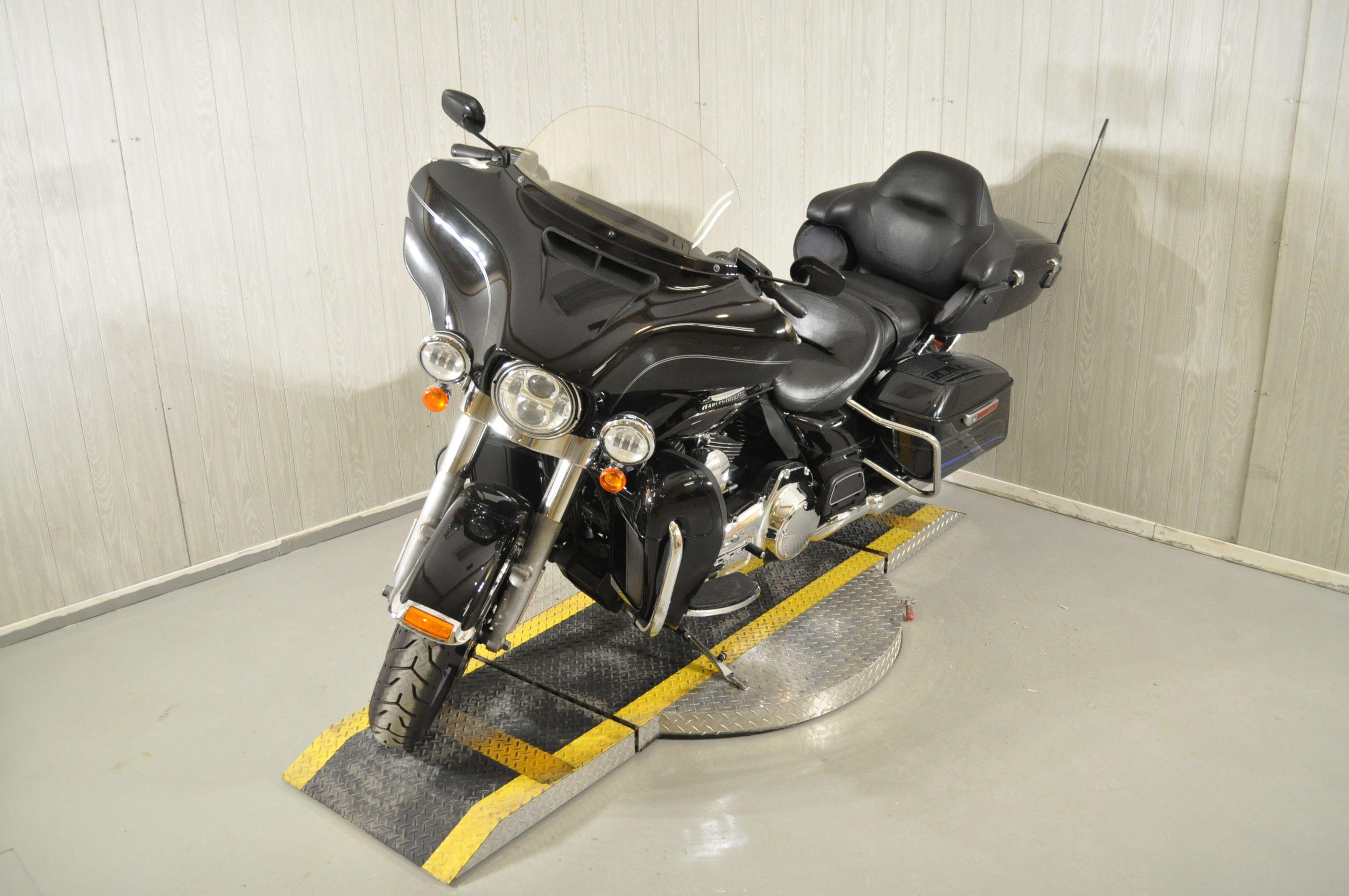 Pre-Owned 2015 Harley-Davidson Electra Glide Ultra Classic FLHTCU