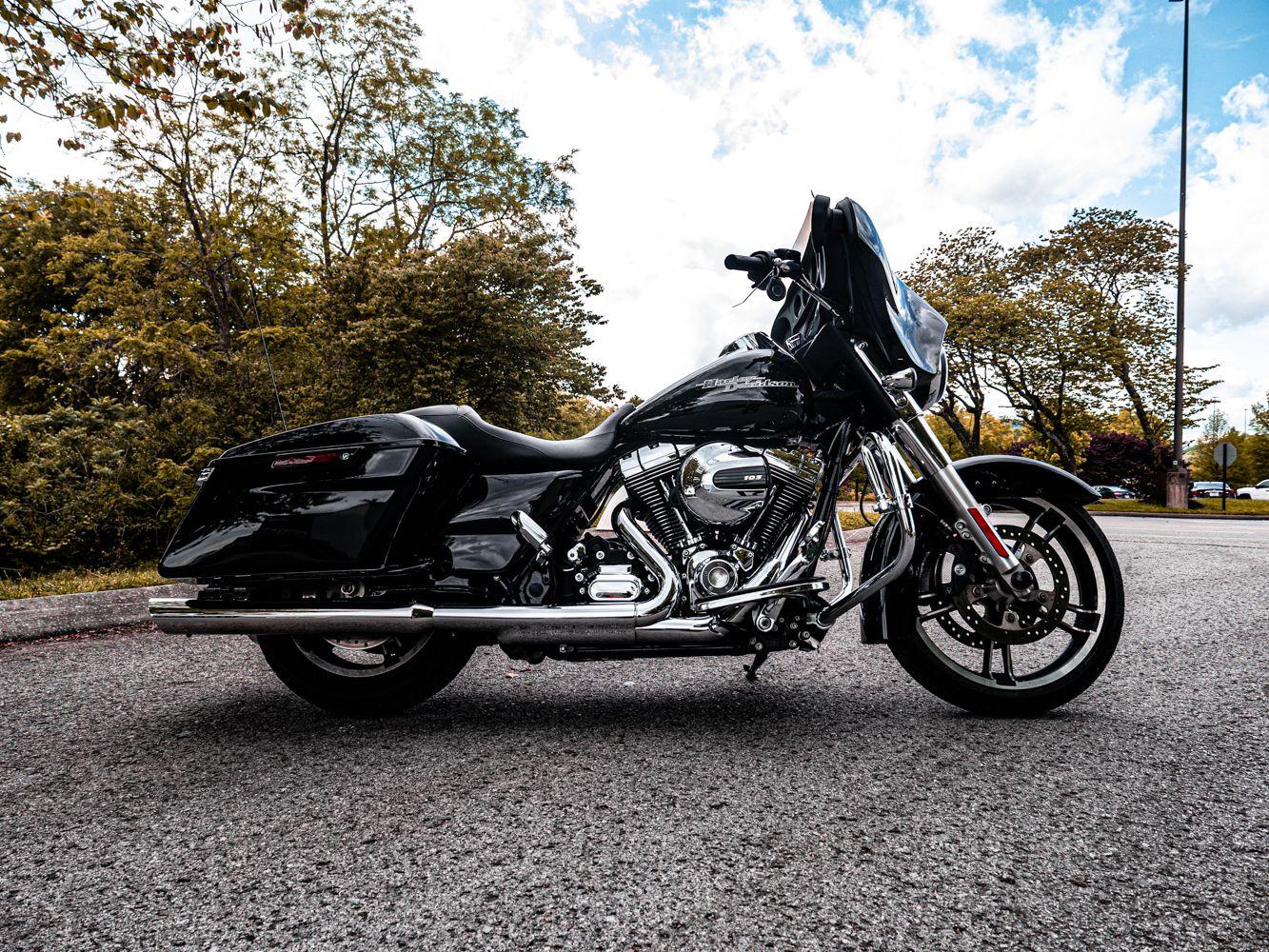 Pre-Owned 2015 Harley-Davidson Street Glide