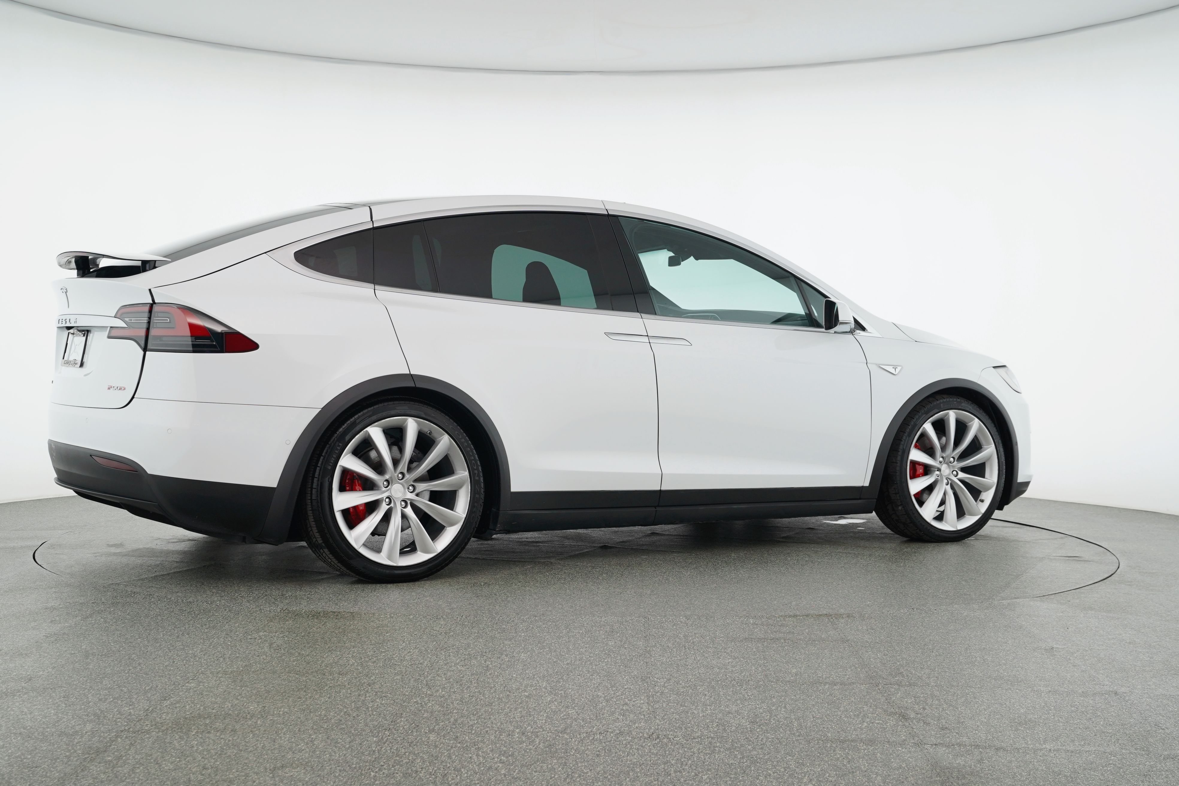 Pre-Owned 2016 Tesla Model X P90D