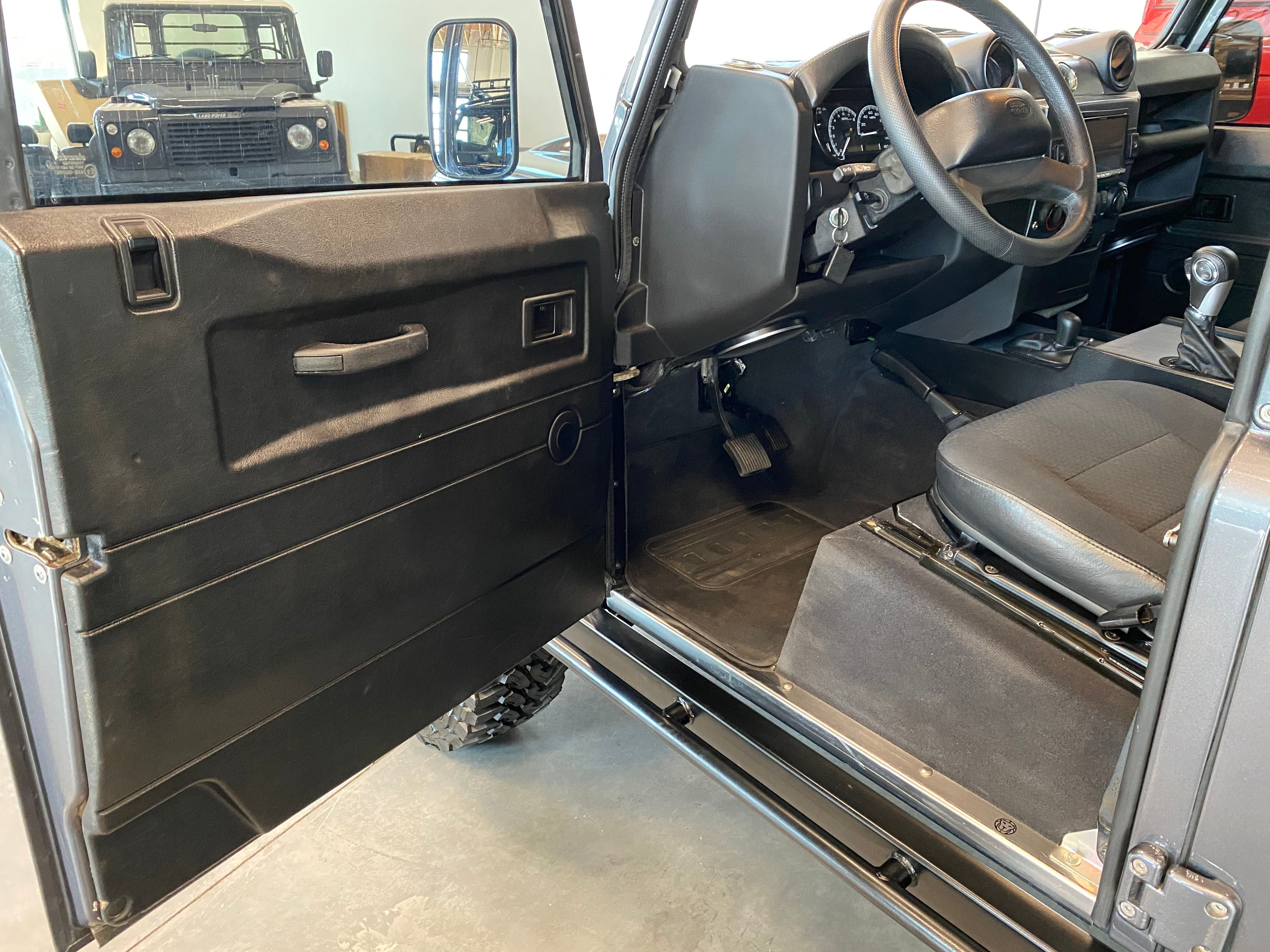 Pre-Owned 1994 Land Rover Defender 130