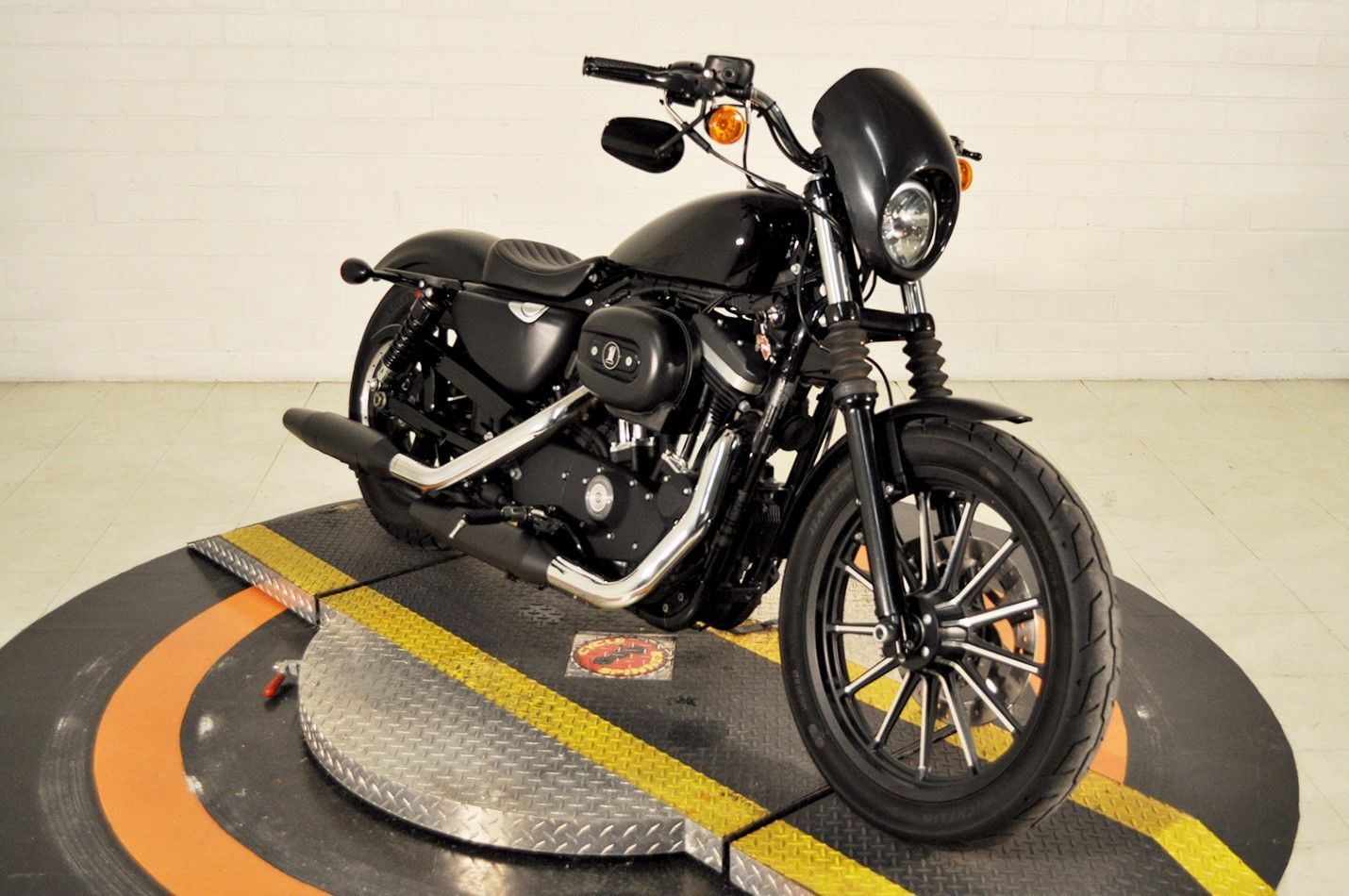 Pre-Owned 2015 Harley-Davidson Iron 883