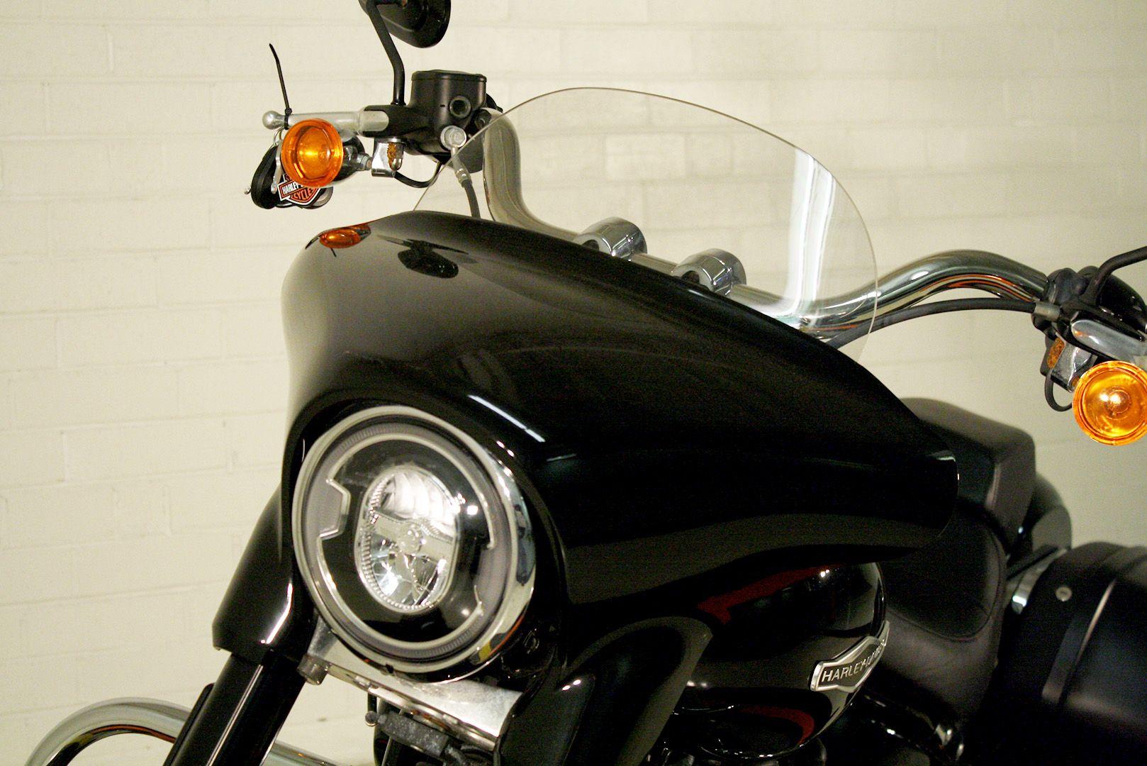 Pre-Owned 2018 Harley-Davidson Sport Glide