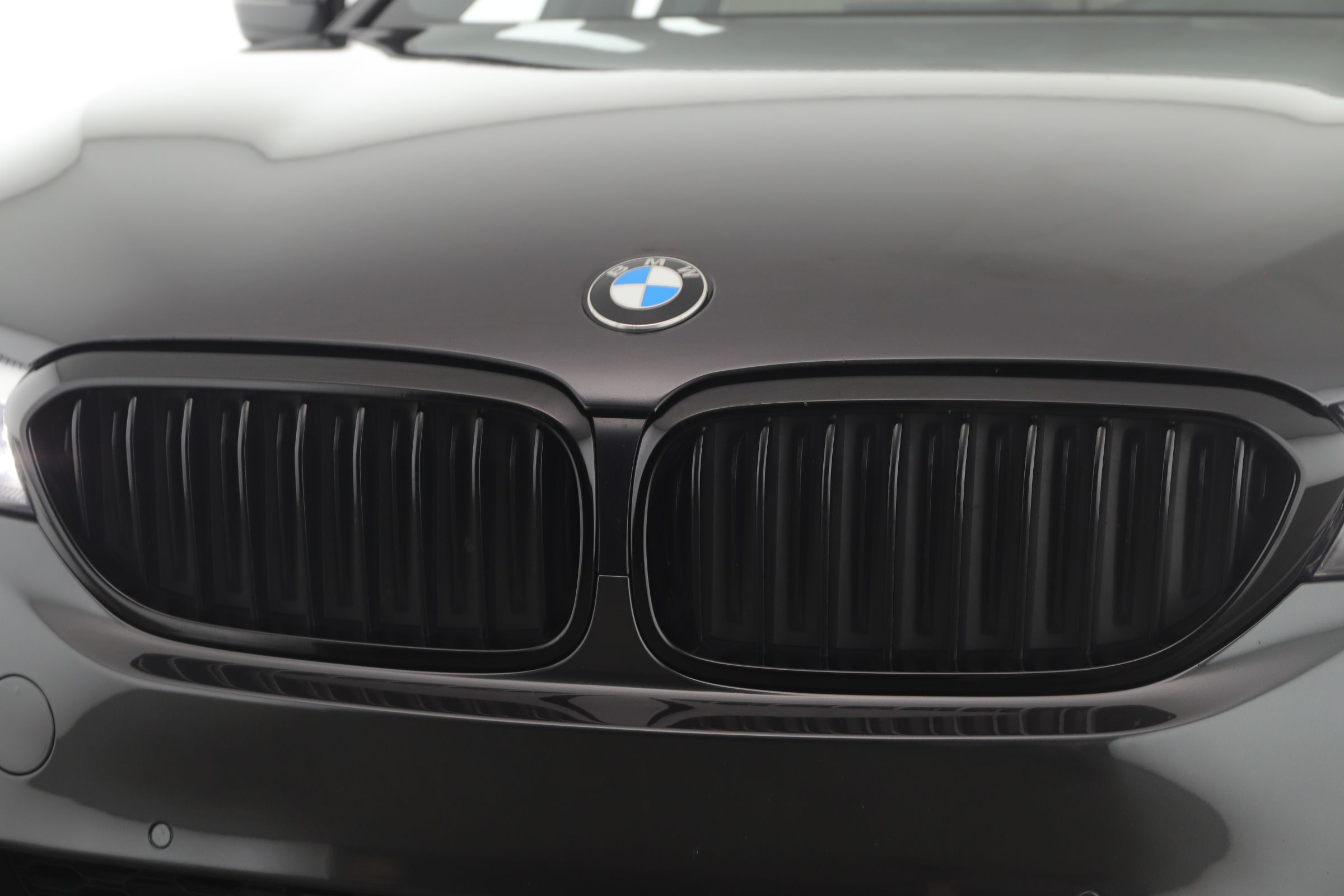 Pre-Owned 2018 BMW 5 Series 530i