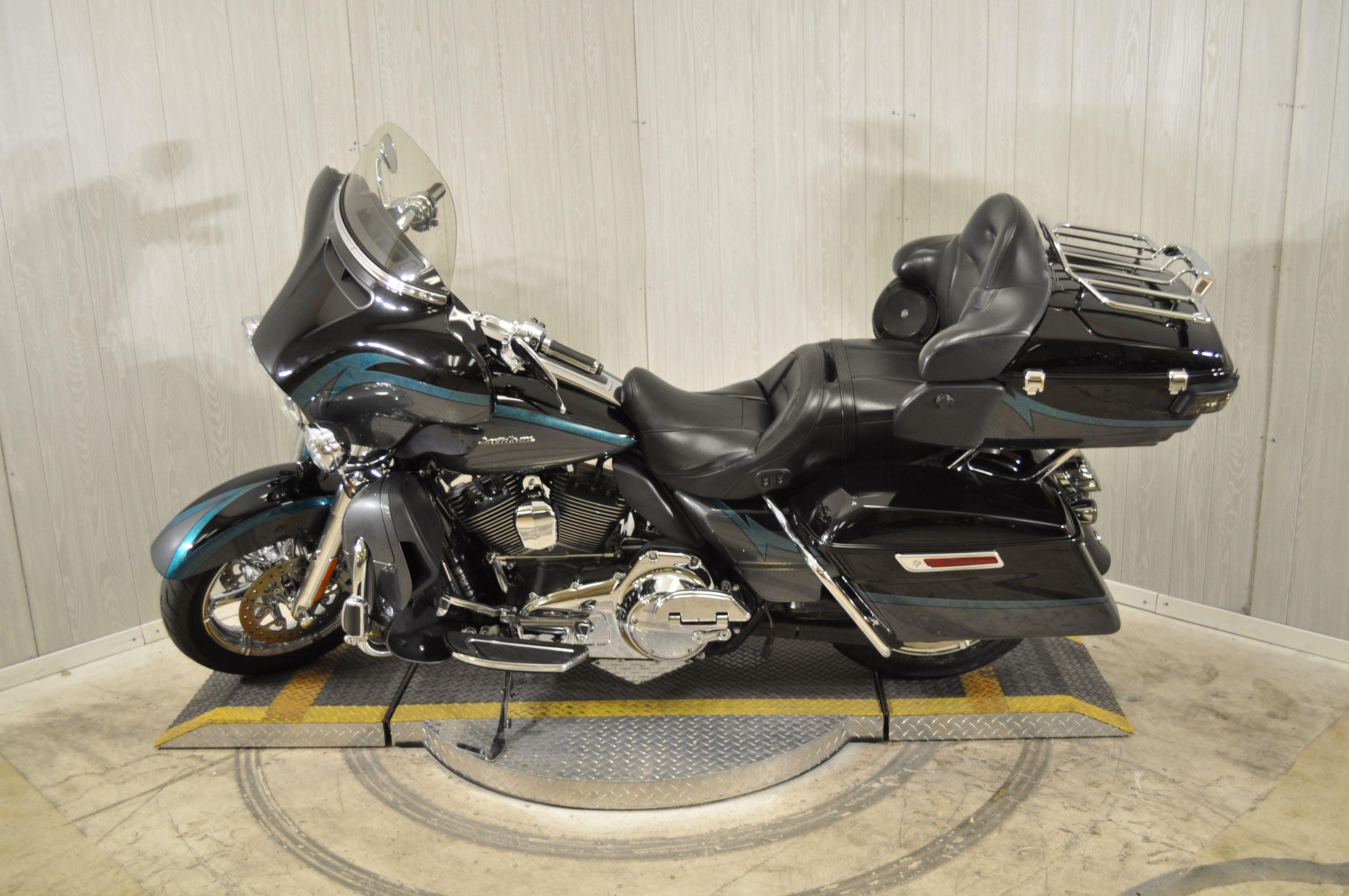 Pre-Owned 2015 Harley-Davidson CVO Limited FLHTKSE