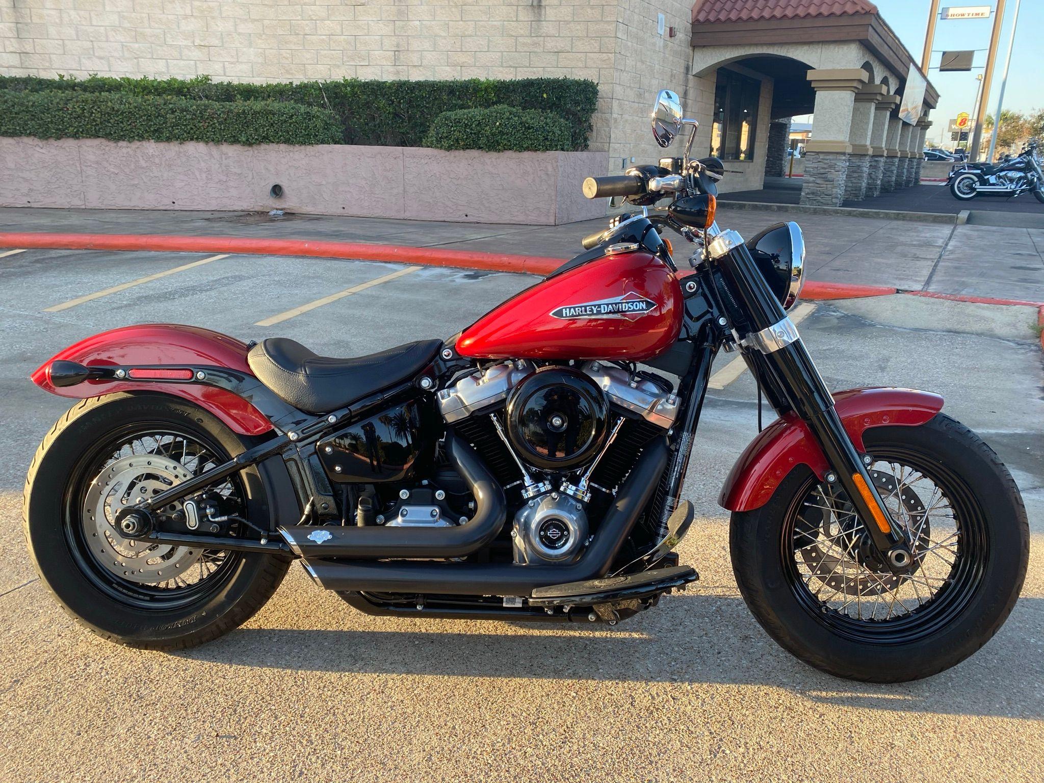 2018 Harley-Davidson Slim