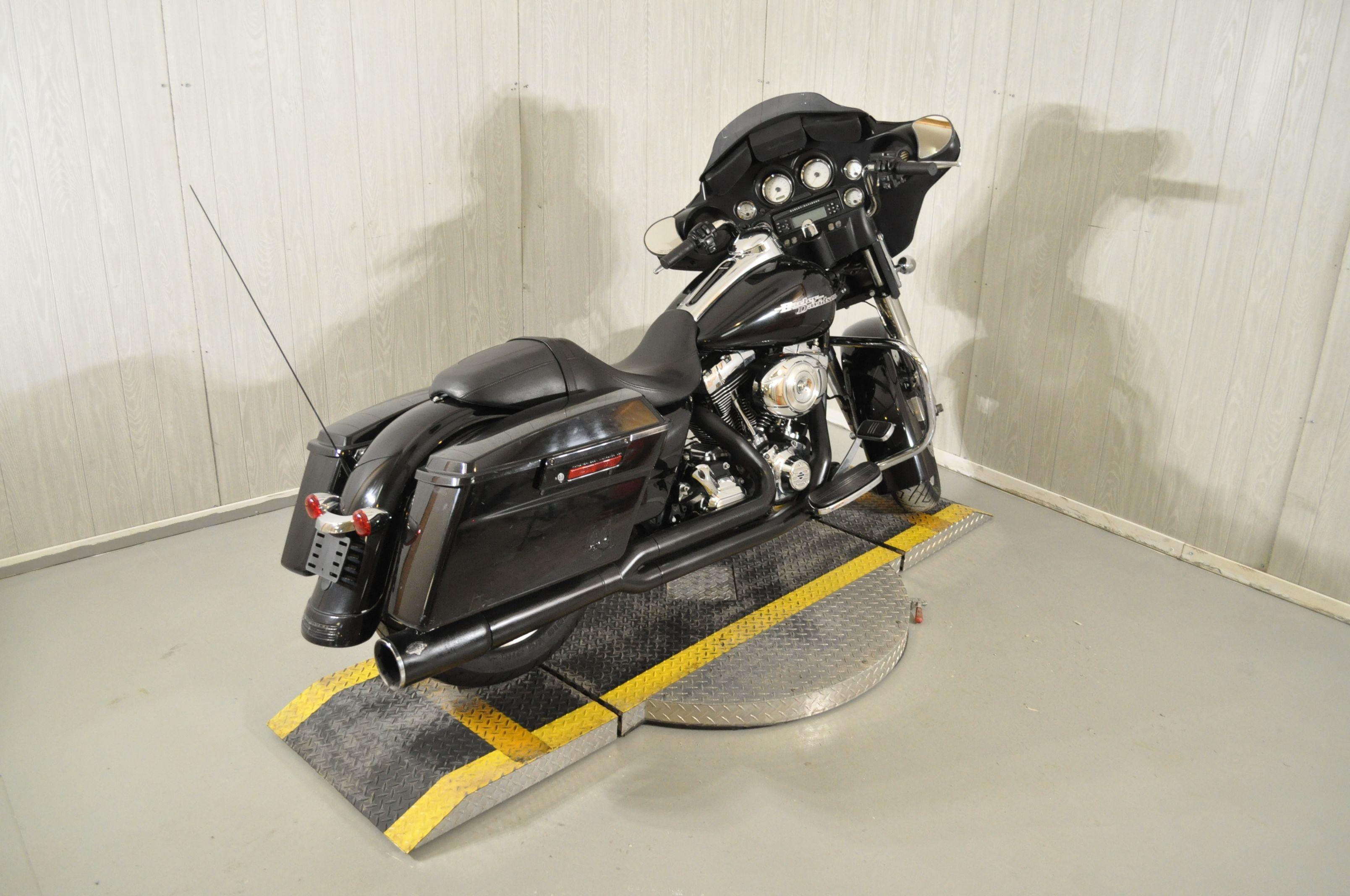 Pre-Owned 2013 Harley-Davidson Street Glide FLHX