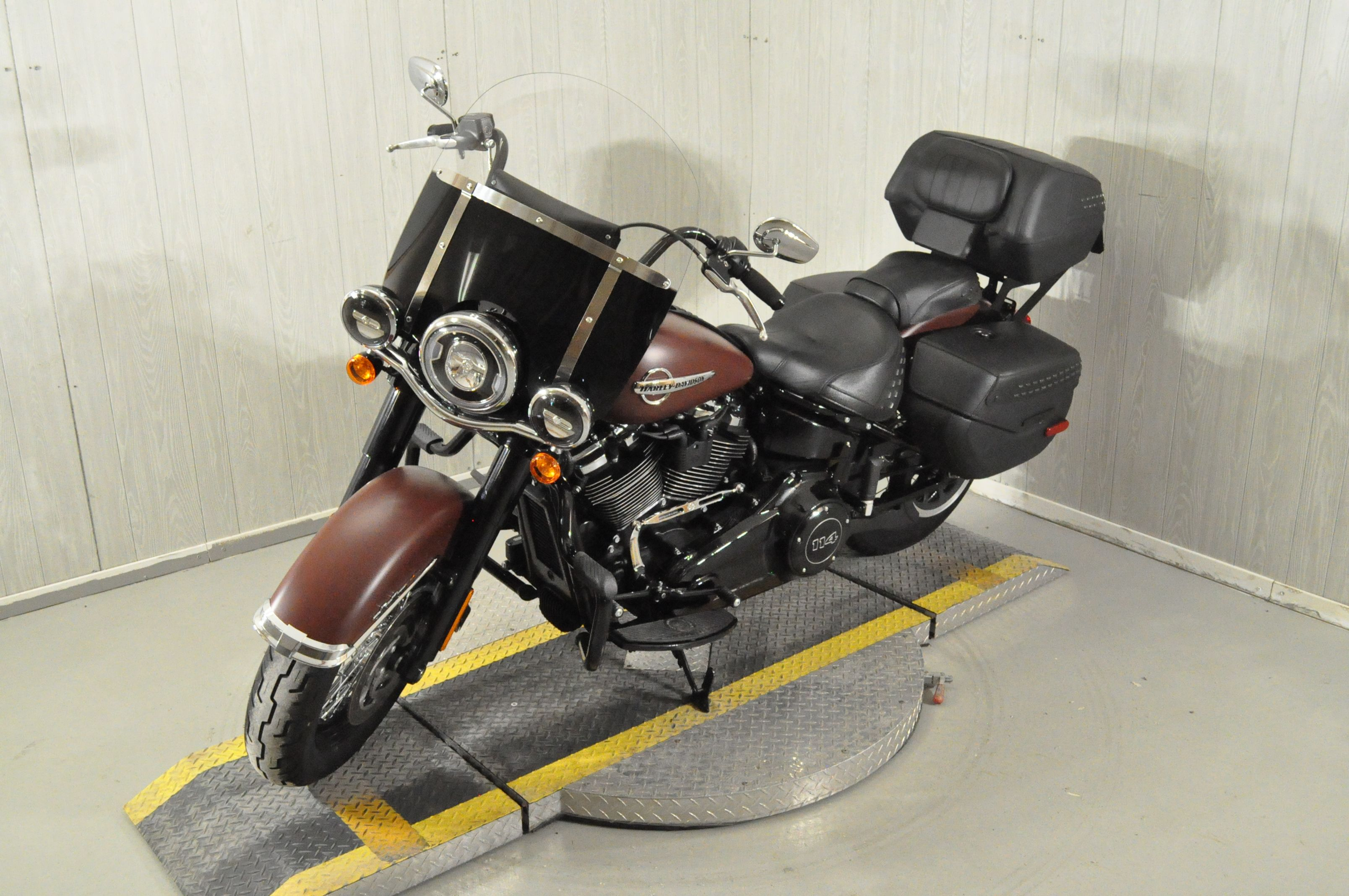 Pre-Owned 2018 Harley-Davidson Heritage Classic 114 FLHCS