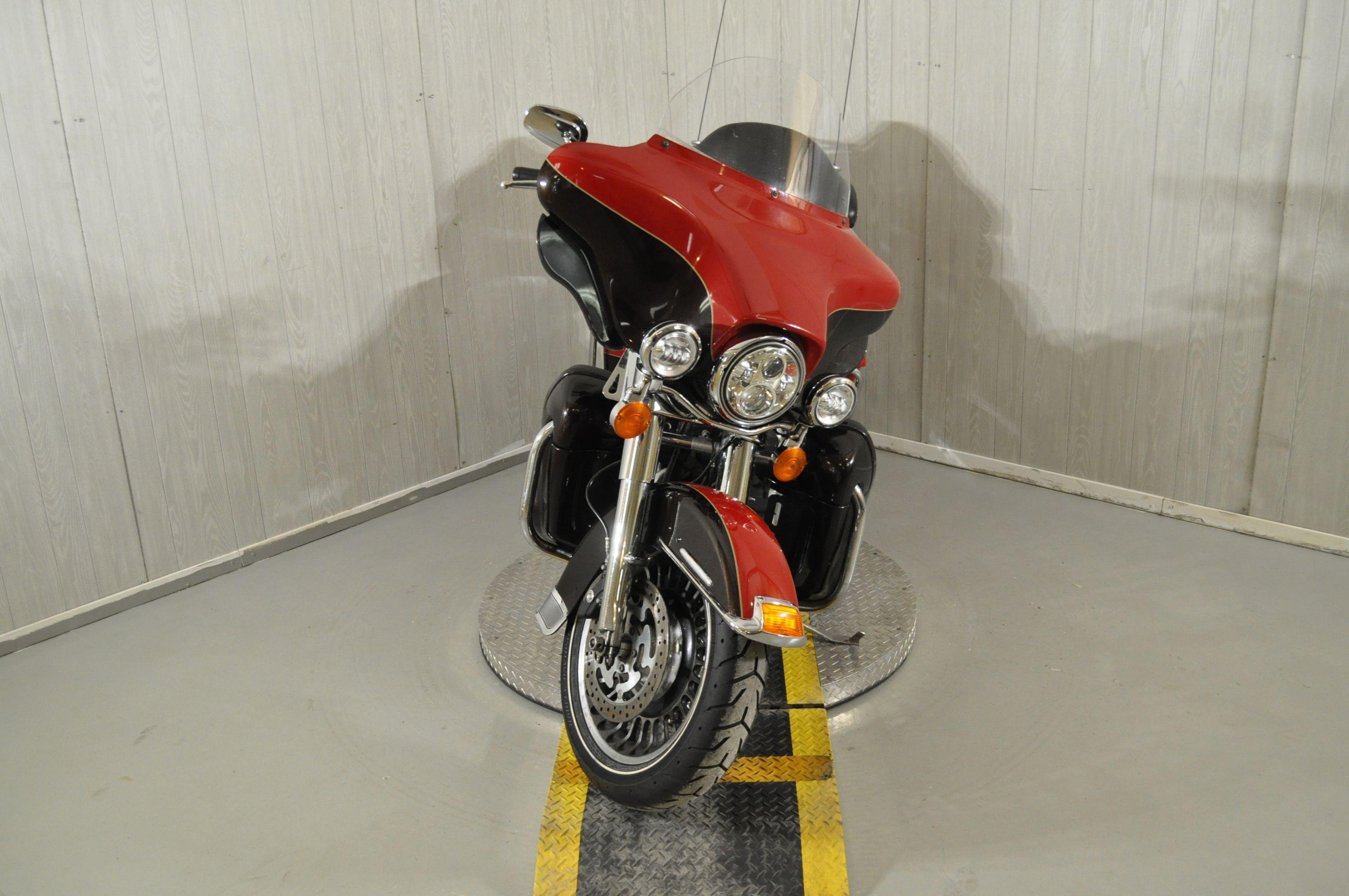 Pre-Owned 2011 Harley-Davidson Electra Glide Ultra Limited FLHTK