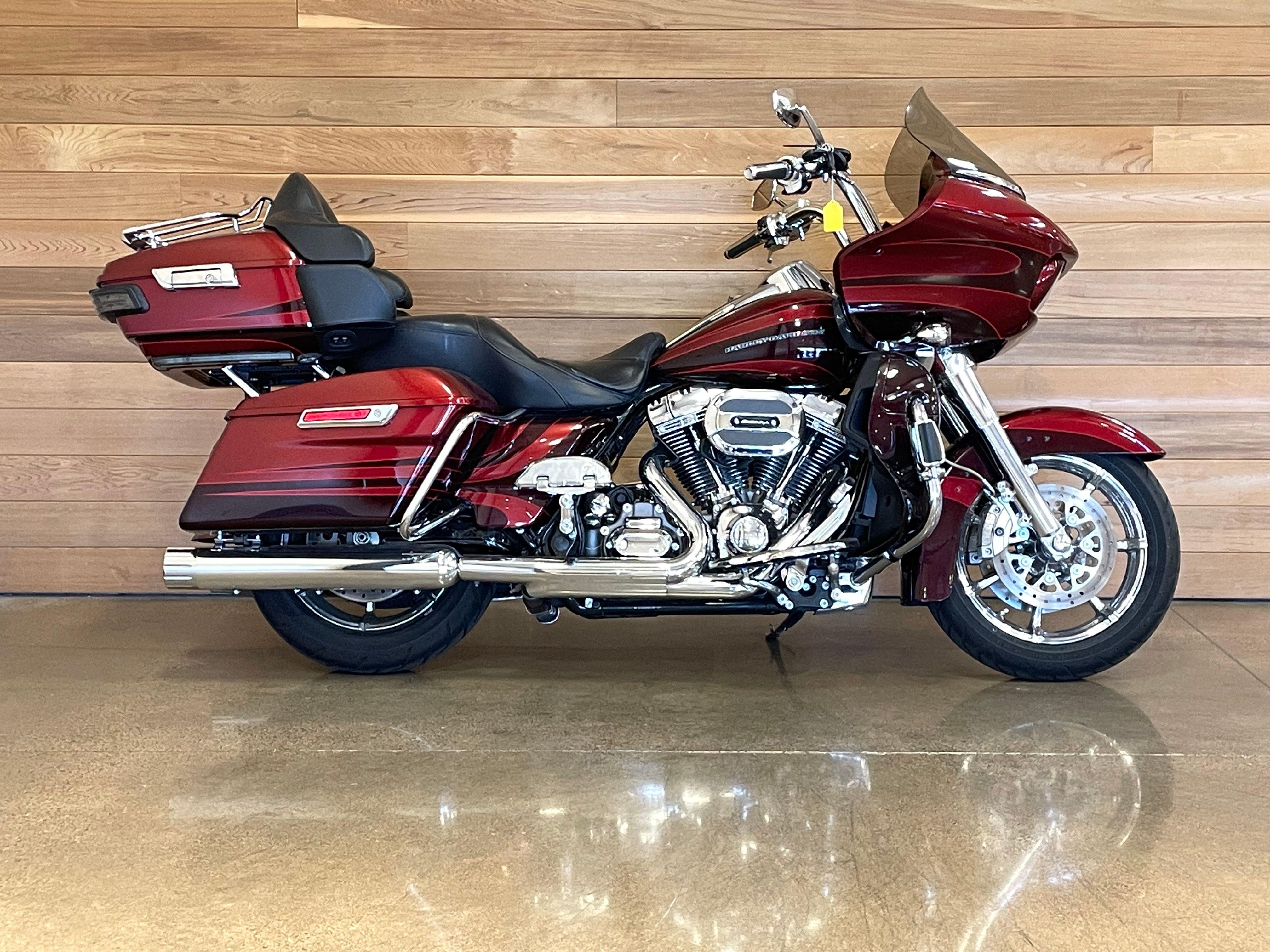 Pre-Owned 2015 Harley-Davidson CVO Road Glide Ultra FLTRUSE