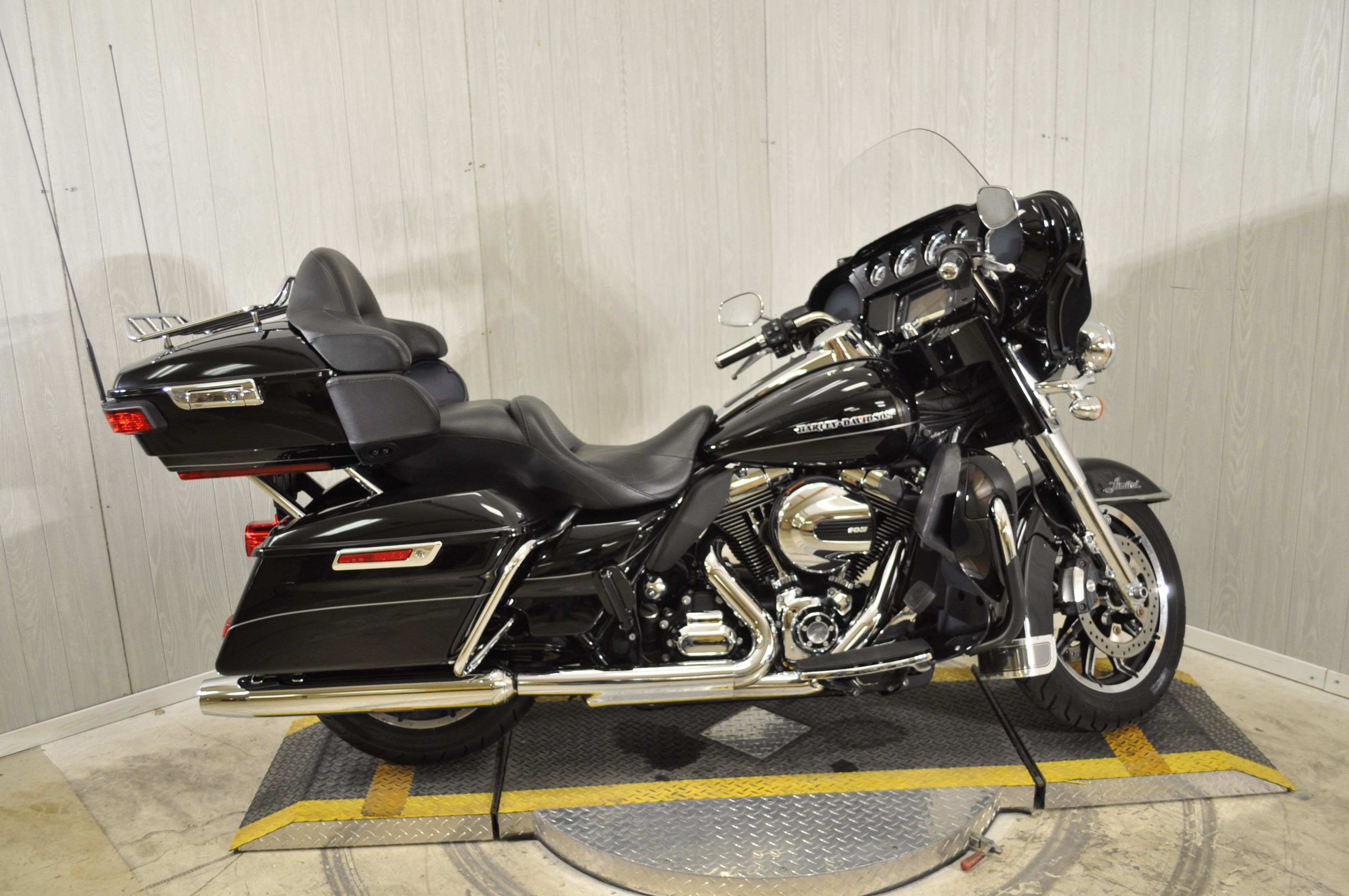 Pre-Owned 2015 Harley-Davidson Ultra Limited Low FLHTKL