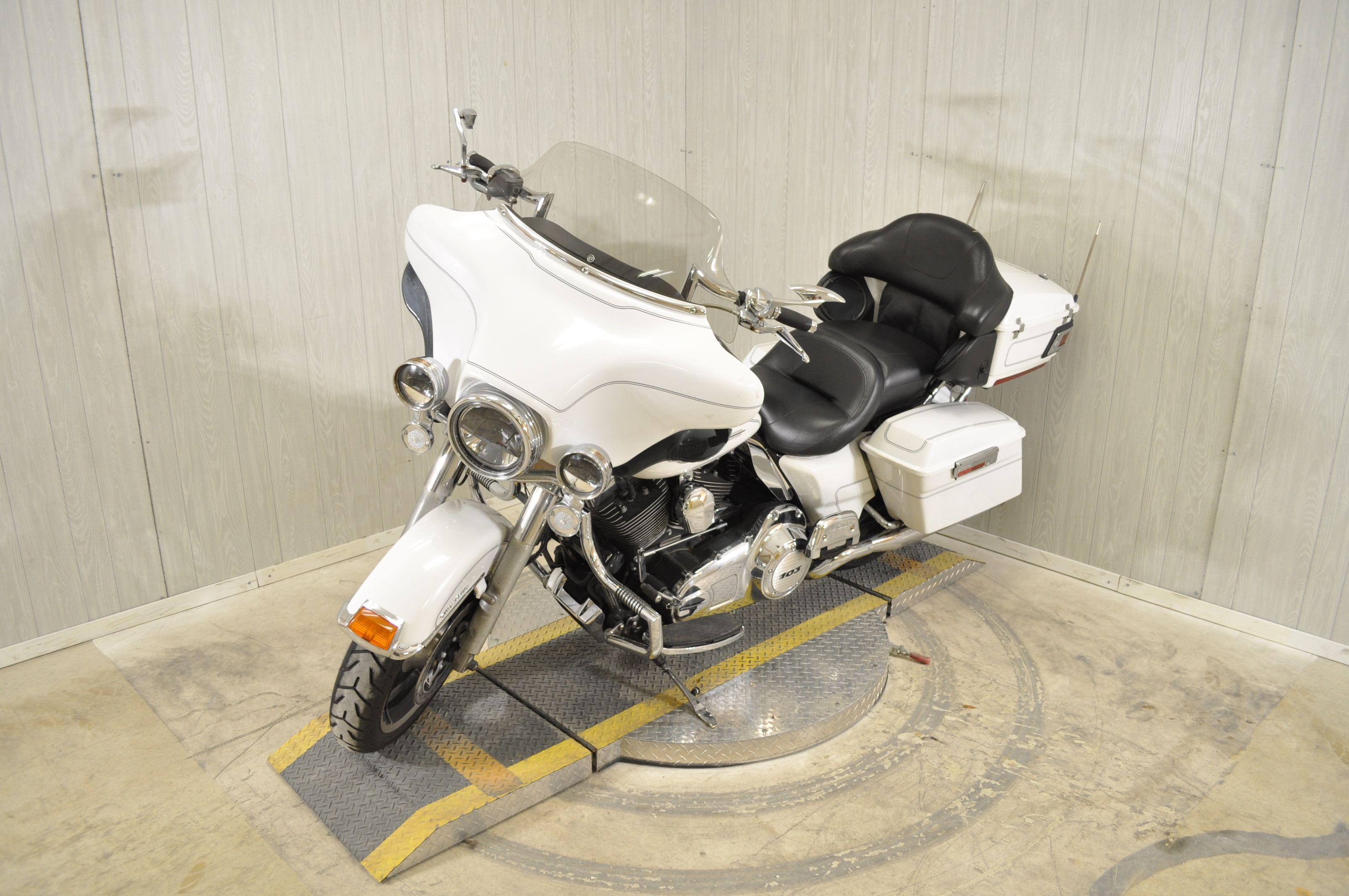 Pre-Owned 2012 Harley-Davidson Electra Glide Ultra Classic FLHTCU
