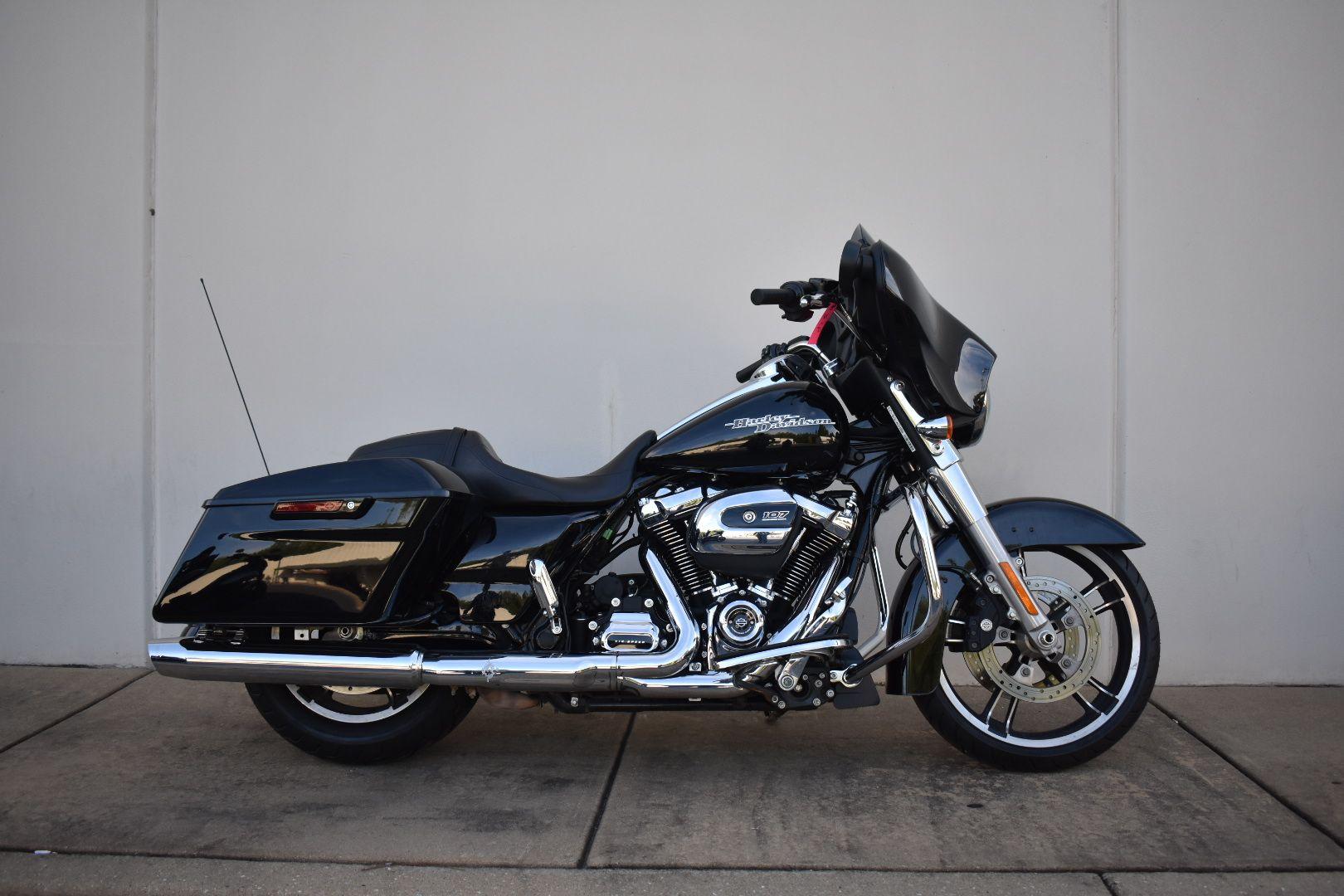 Certified Pre-Owned 2019 Harley-Davidson Street Glide FLHX