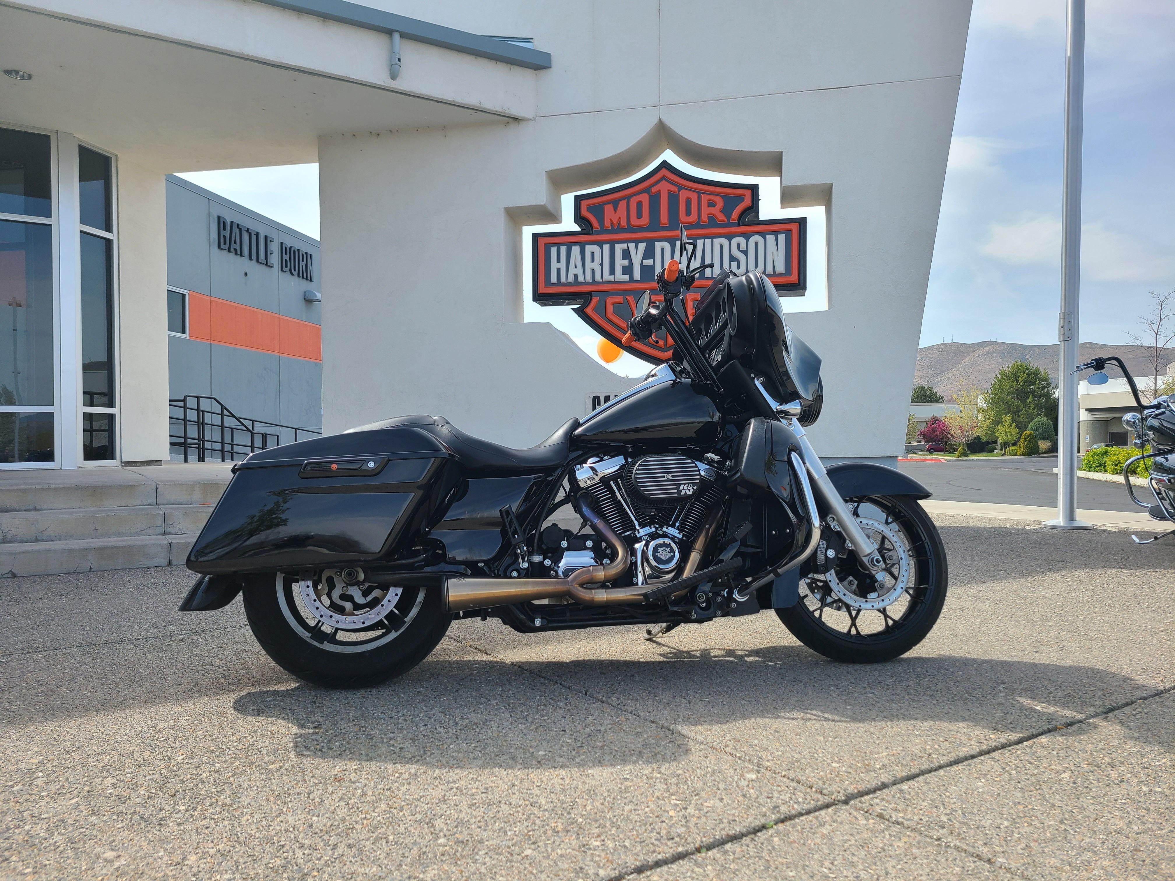 2017 Harley-Davidson Street Glide FLHX