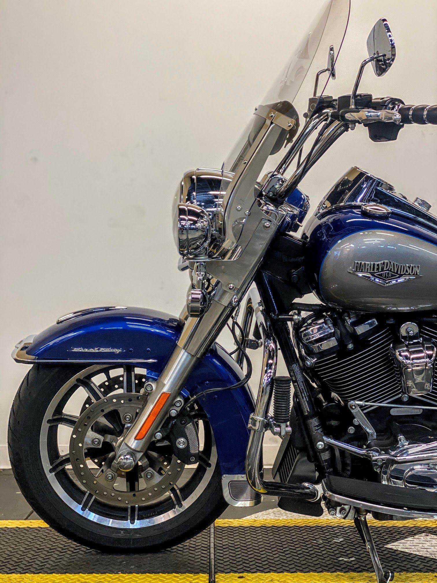 Pre-Owned 2017 Harley-Davidson Road King FLHR