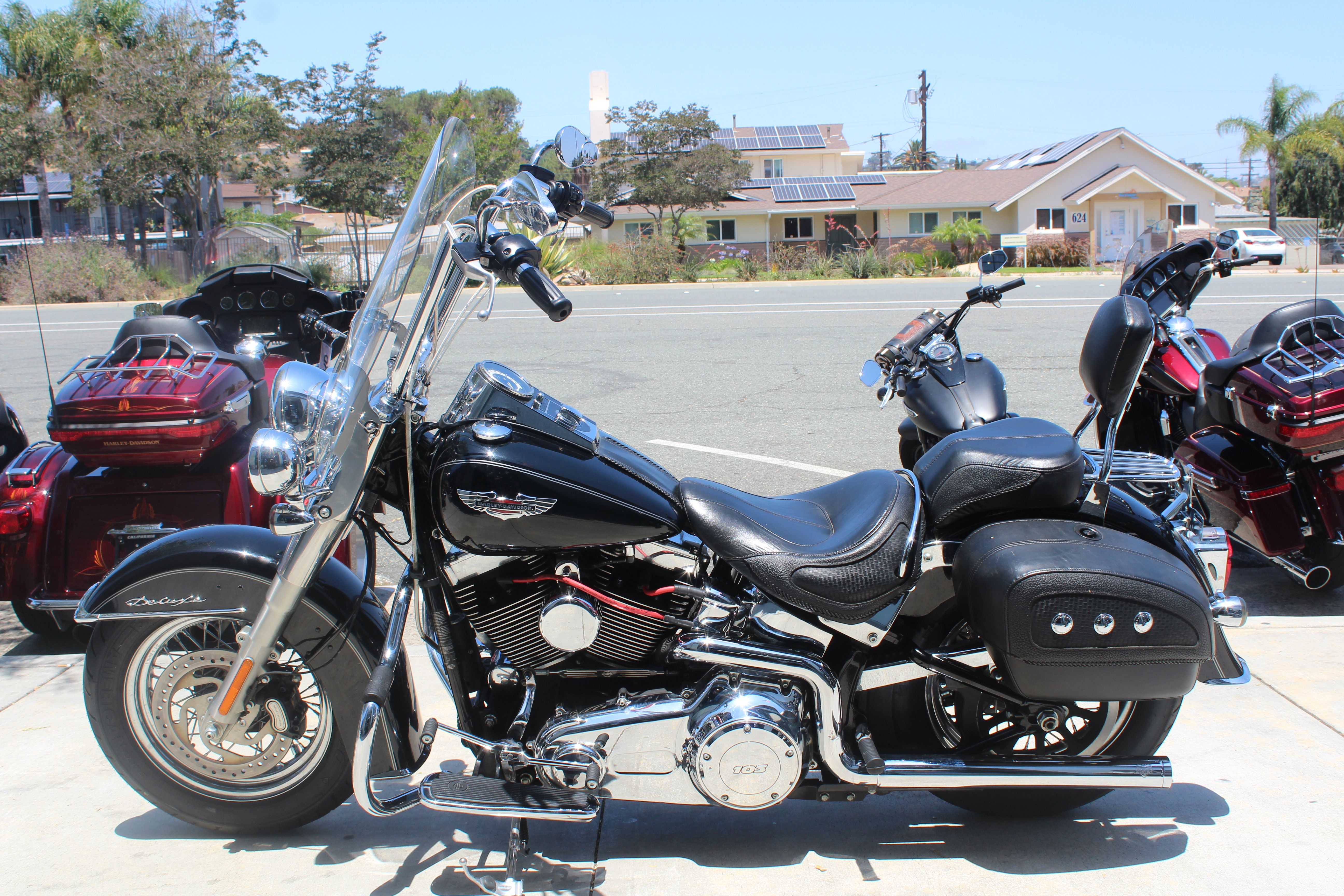 Pre-Owned 2015 Harley-Davidson Deluxe