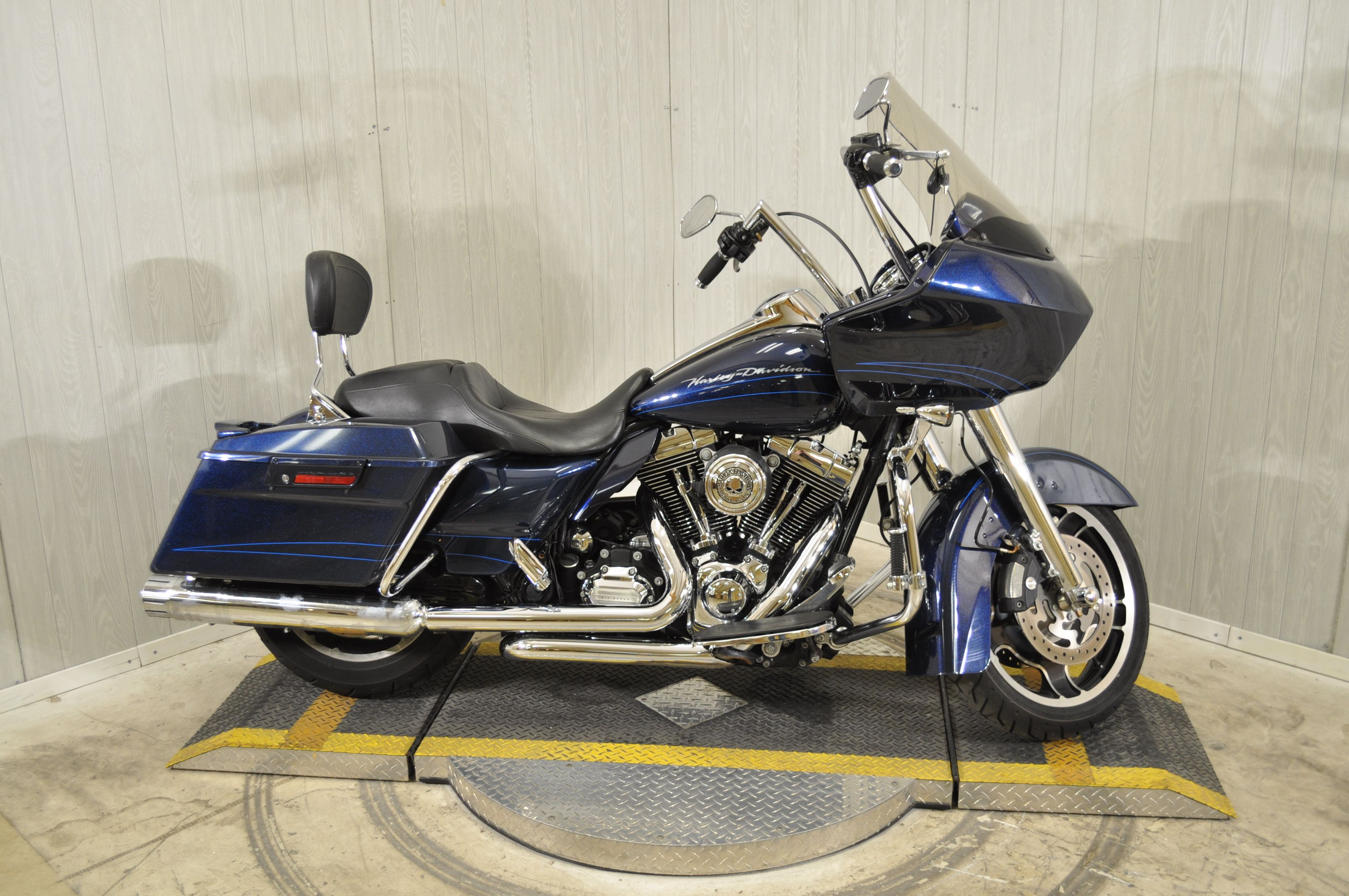 Pre Owned 2013 Harley Davidson Road Glide Custom Fltrx In Mobile Ap659621 Mobile Bay Harley Davidson