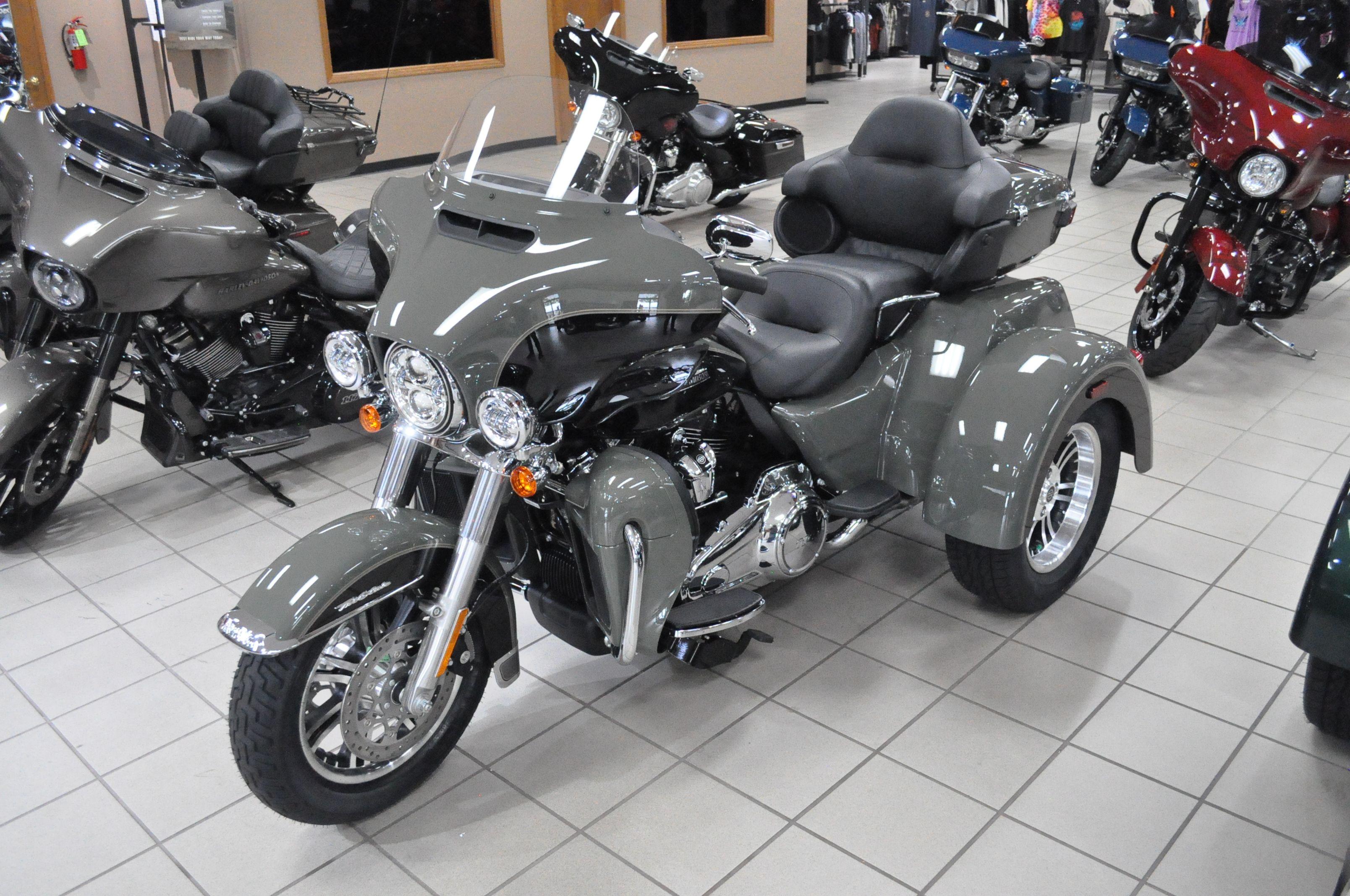 New 2021 Harley-Davidson Tri Glide Ultra FLHTCUTG