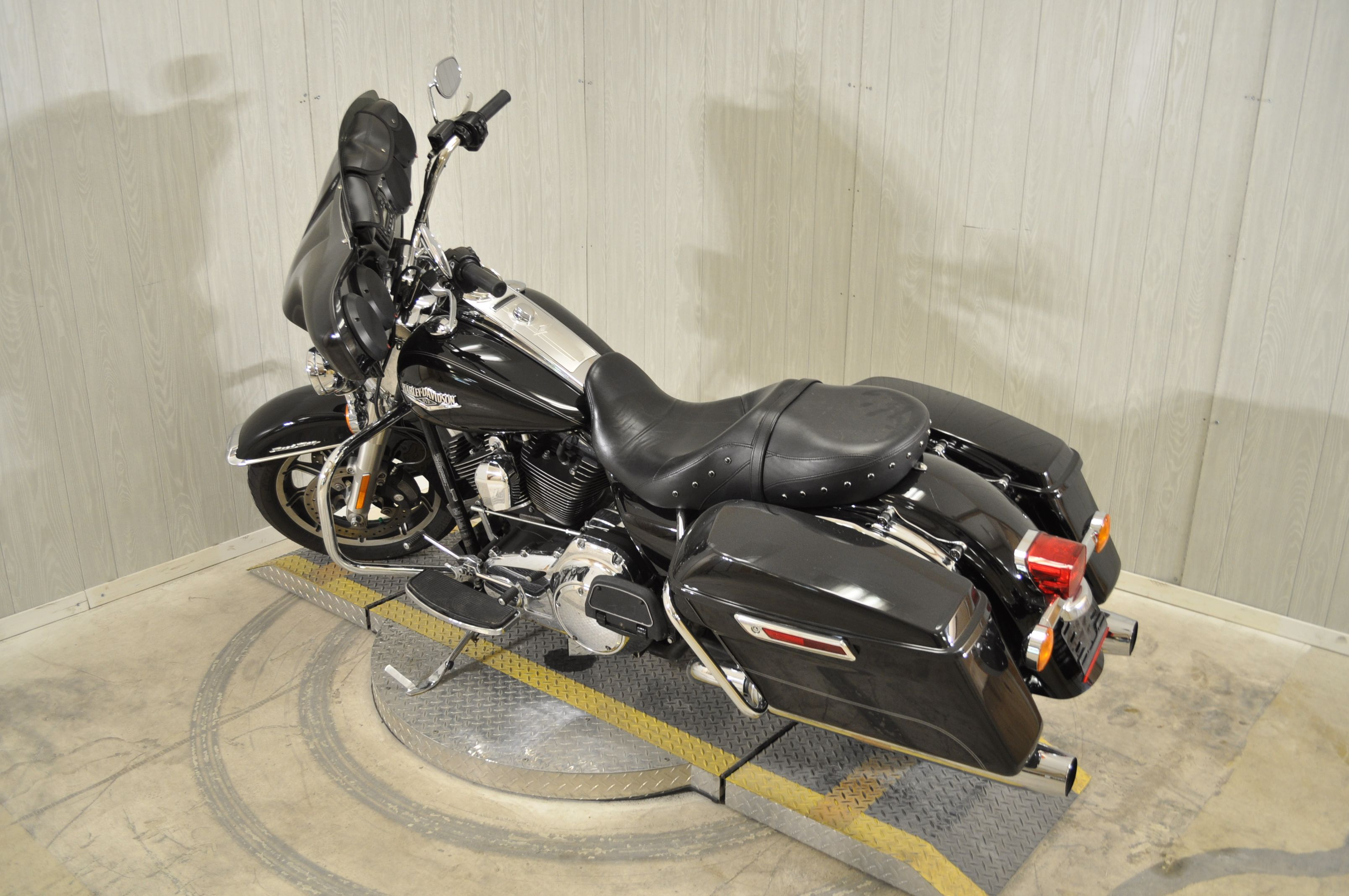 Pre-Owned 2015 Harley-Davidson Road King FLHR