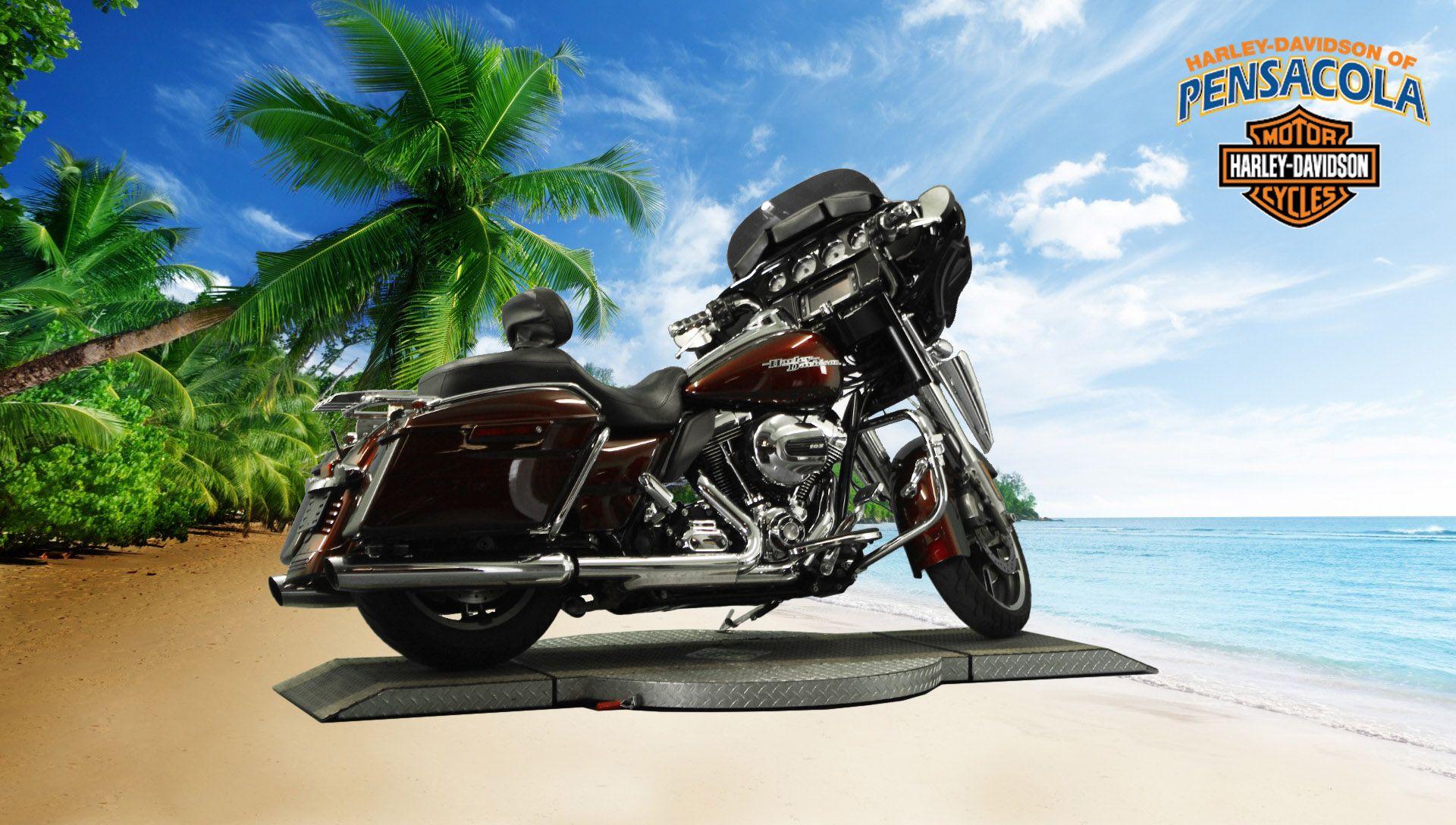 Pre-Owned 2014 Harley-Davidson Street Glide Special FLHXS