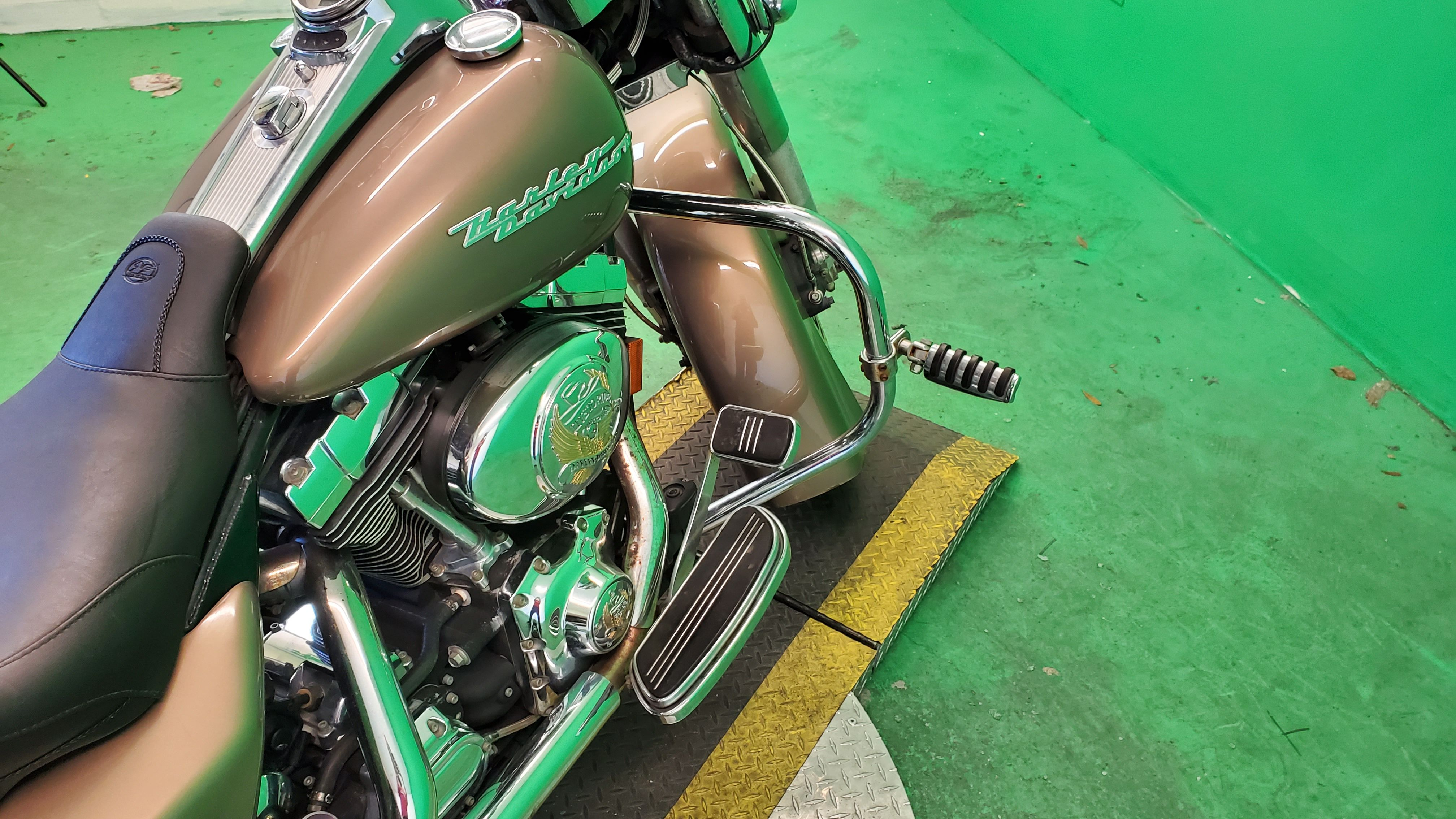 Pre-Owned 2005 Harley-Davidson Road King Custom FLHRS