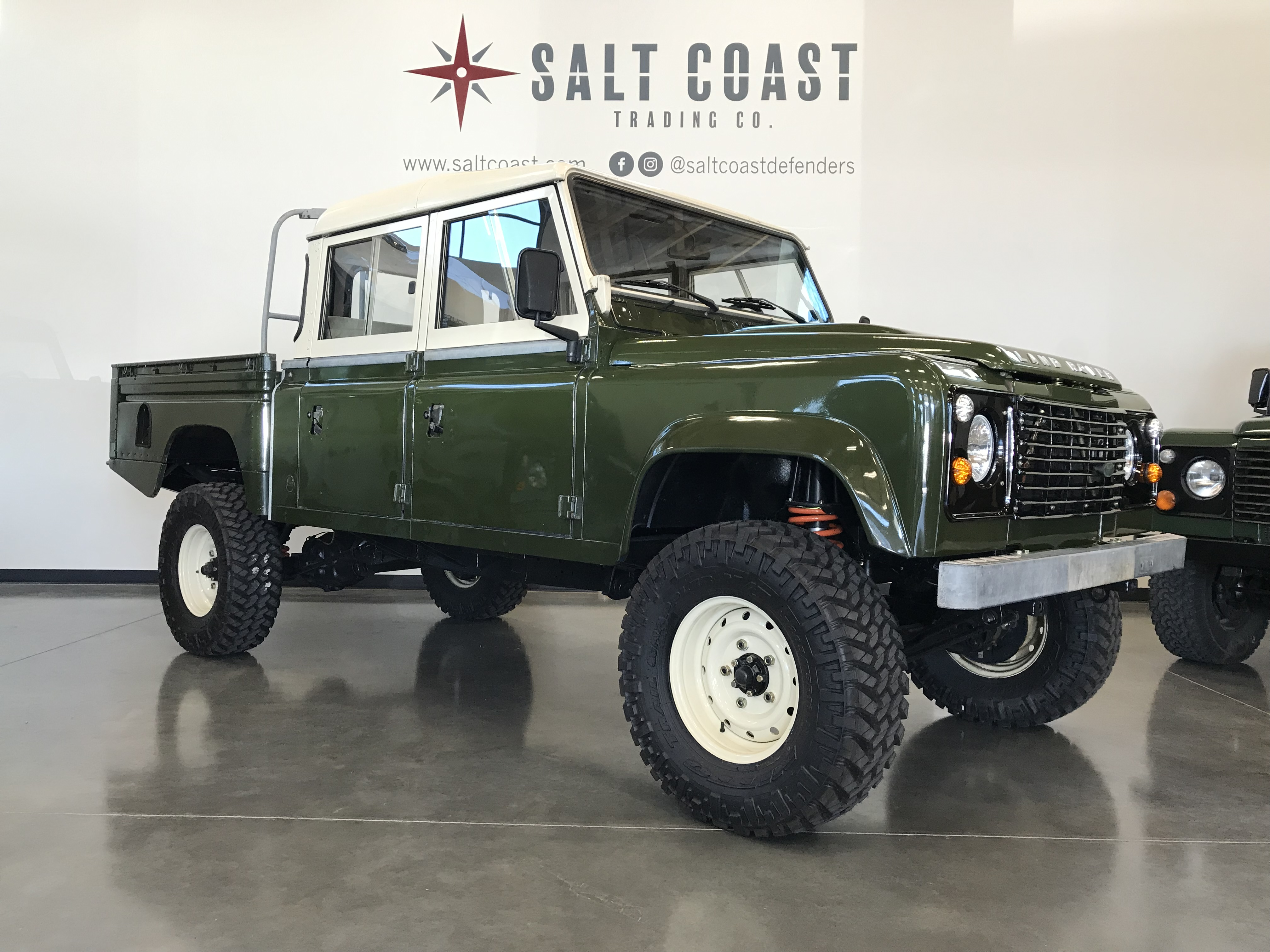 Pre-Owned 1984 Land Rover Defender 127 4WD