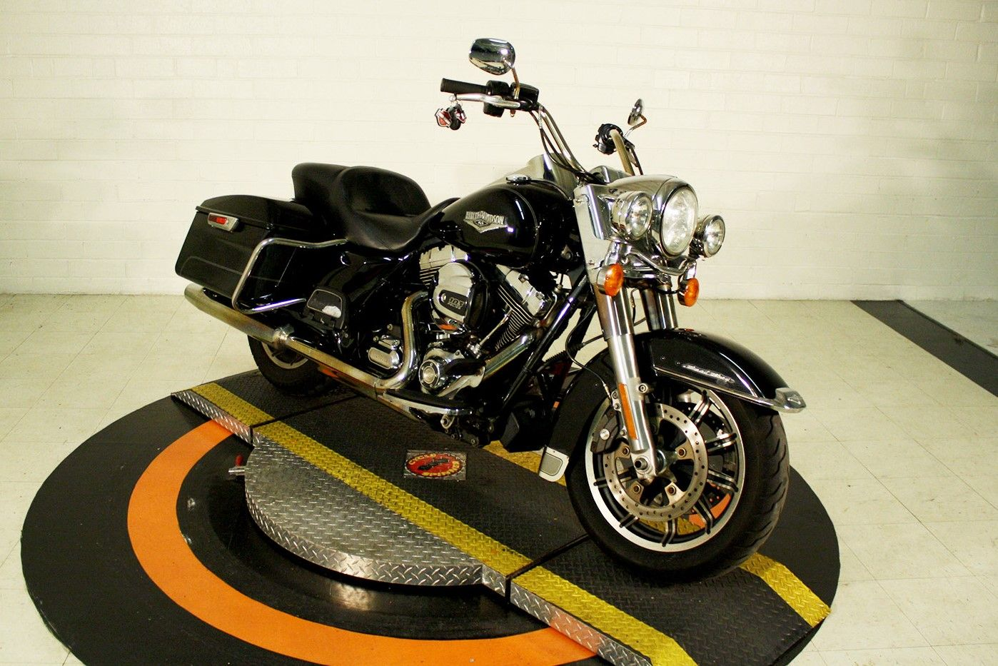 Pre-Owned 2016 Harley-Davidson Road King