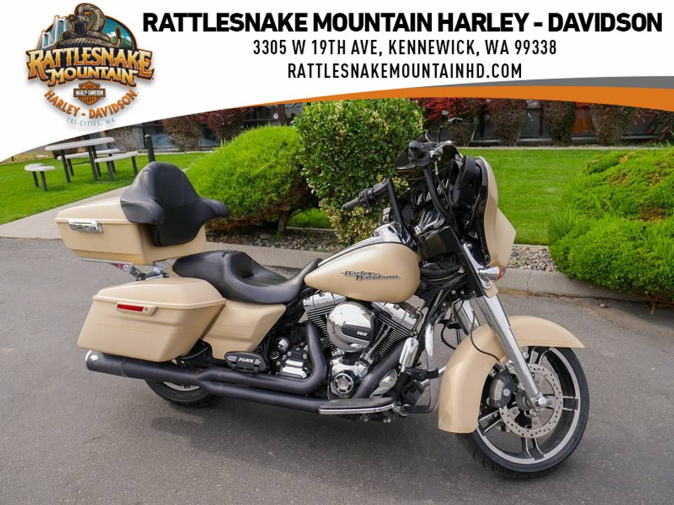 Pre-Owned 2014 Harley-Davidson Street Glide Special Touring FLHXS